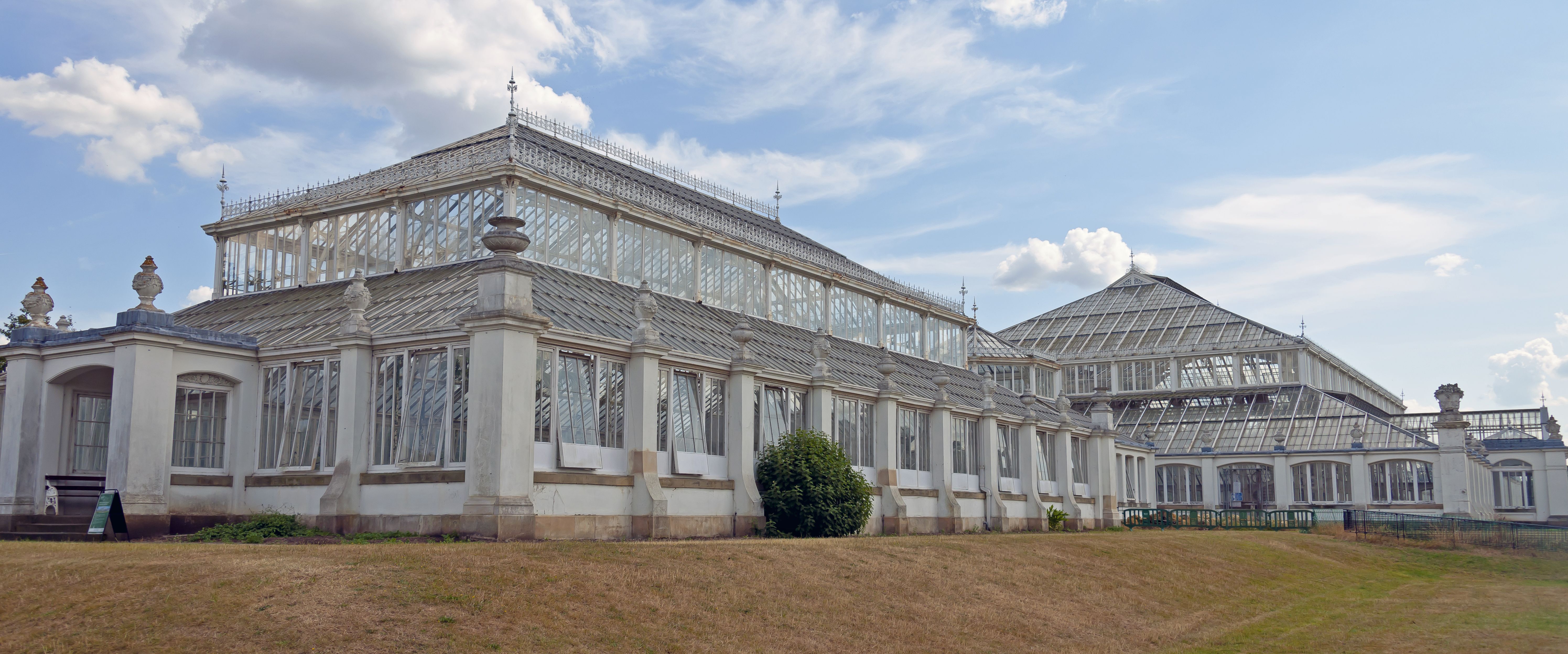 File Kew Gardens Temperate House Side View Jpg