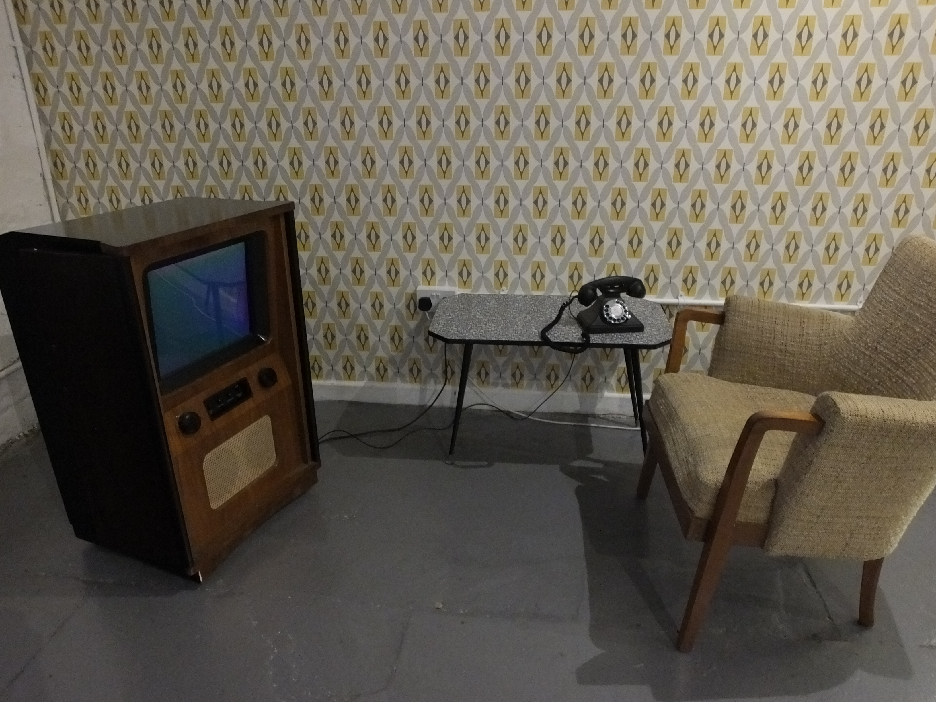 File:Leeds Industrial Museum Living Room 1950 TV And Phone 7092.JPG