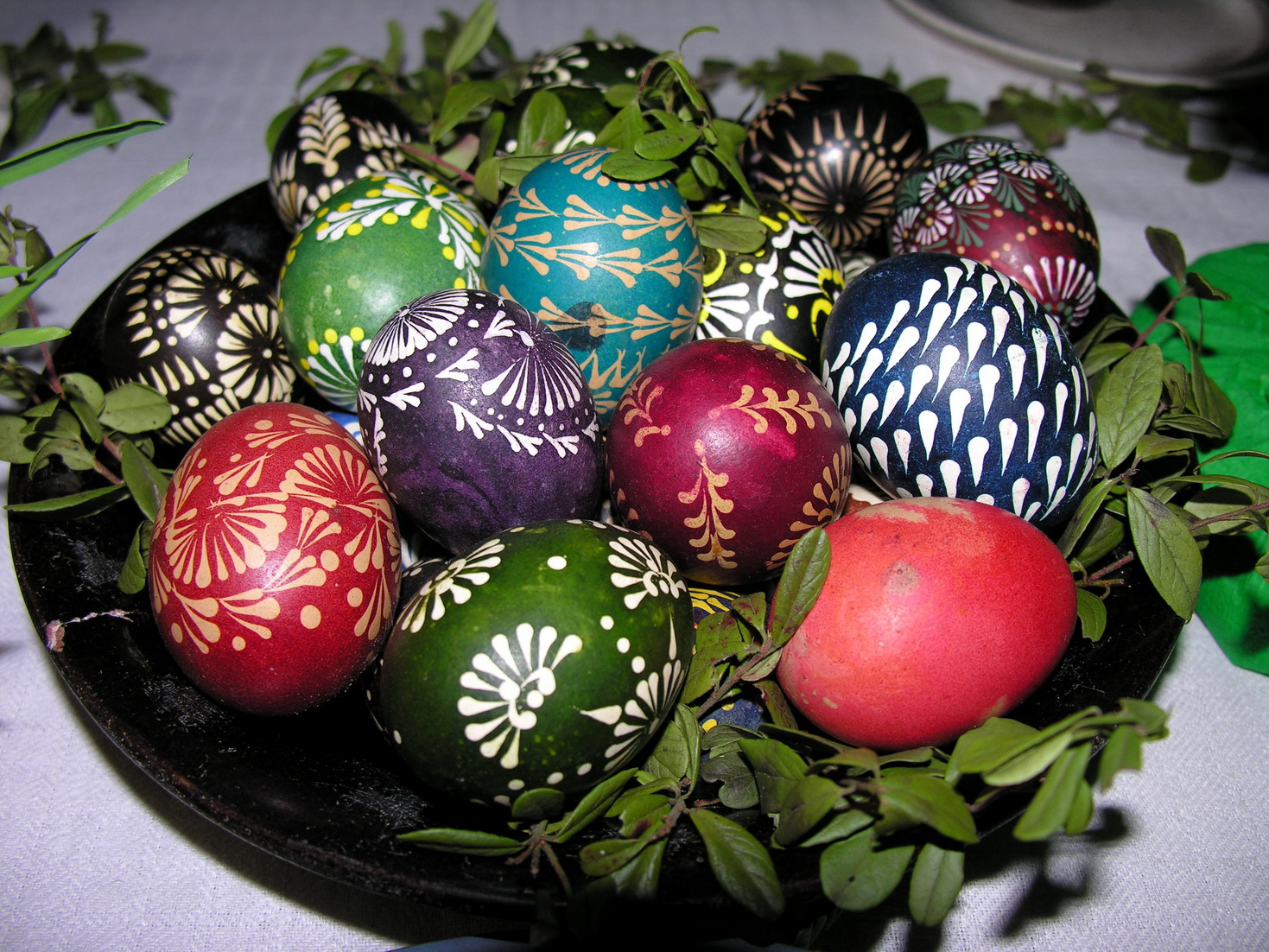 Lithuanian Easter eggs (wiki commons)