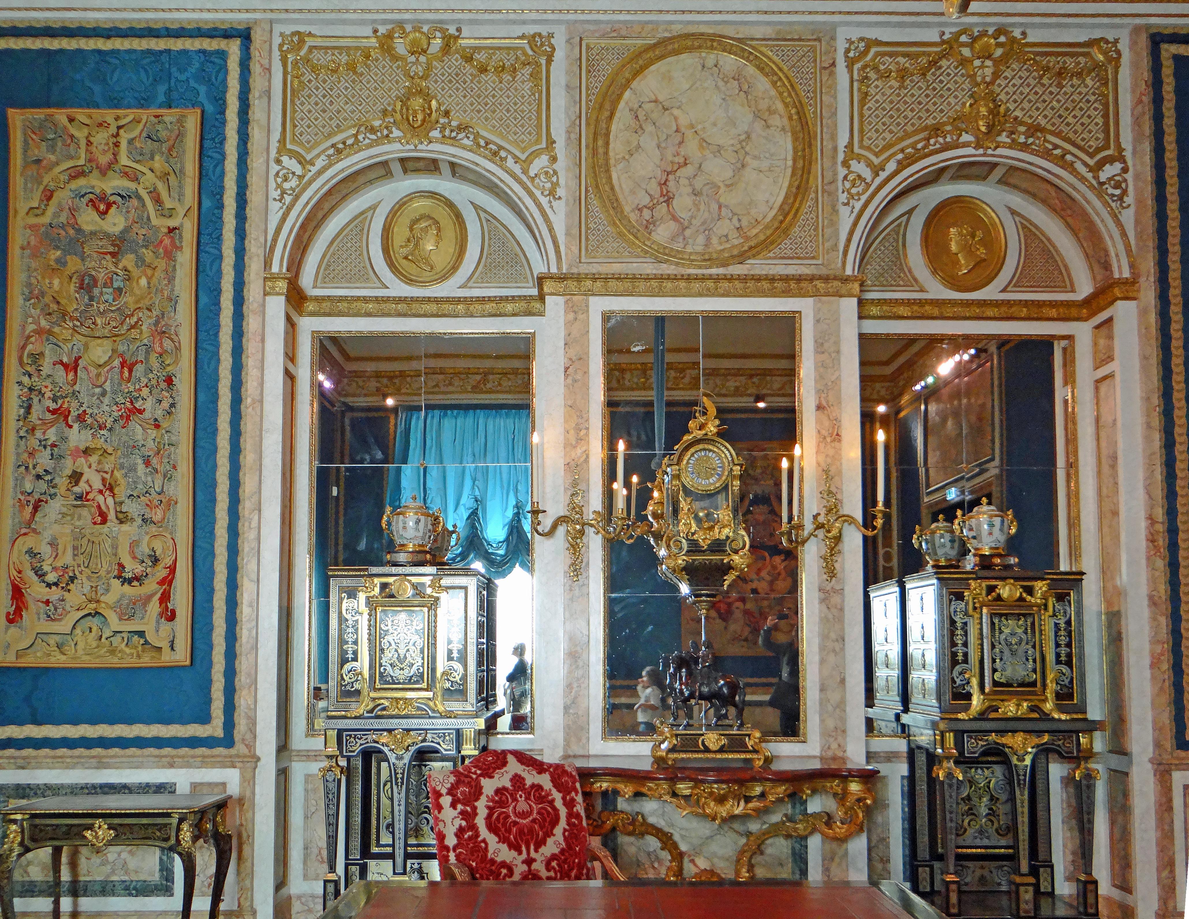File mus e du louvre d partement des objets d 39 art for Louvre interieur