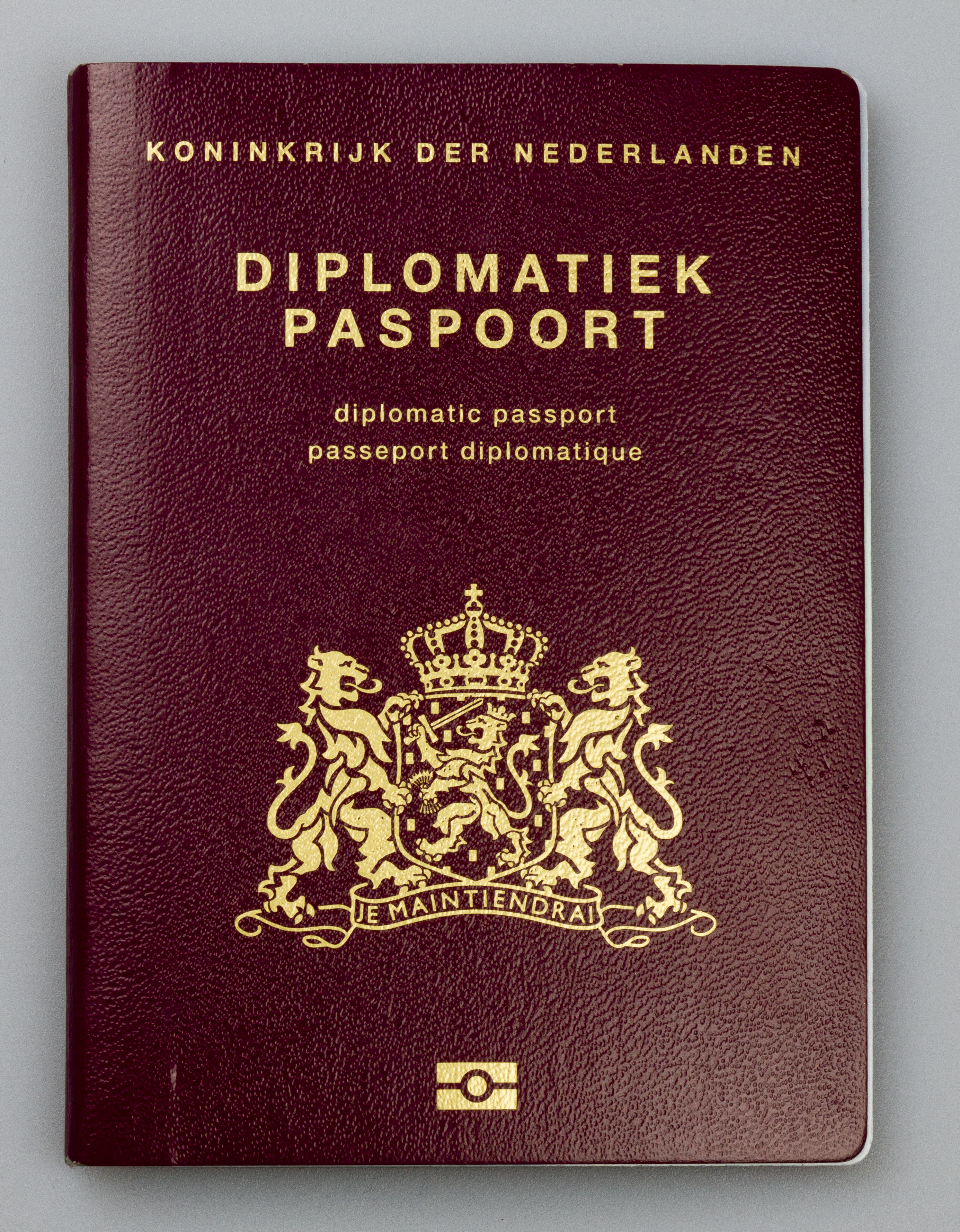 how to get an australian diplomatic passport