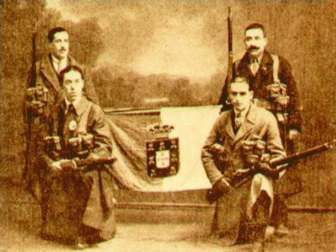 Monarchist counter-revolutionary soldiers holding the flag of the monarchy after the capture of Porto. Os soldados do Rei.png