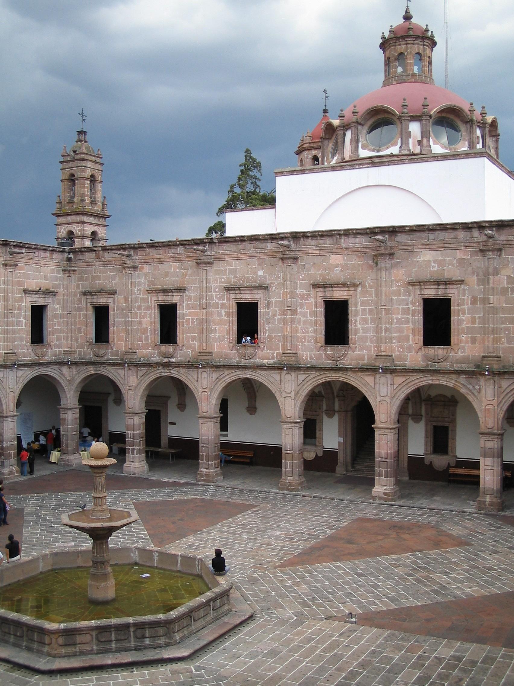 Mi ciudad, Morelia Palacio_clavijero_Morelia