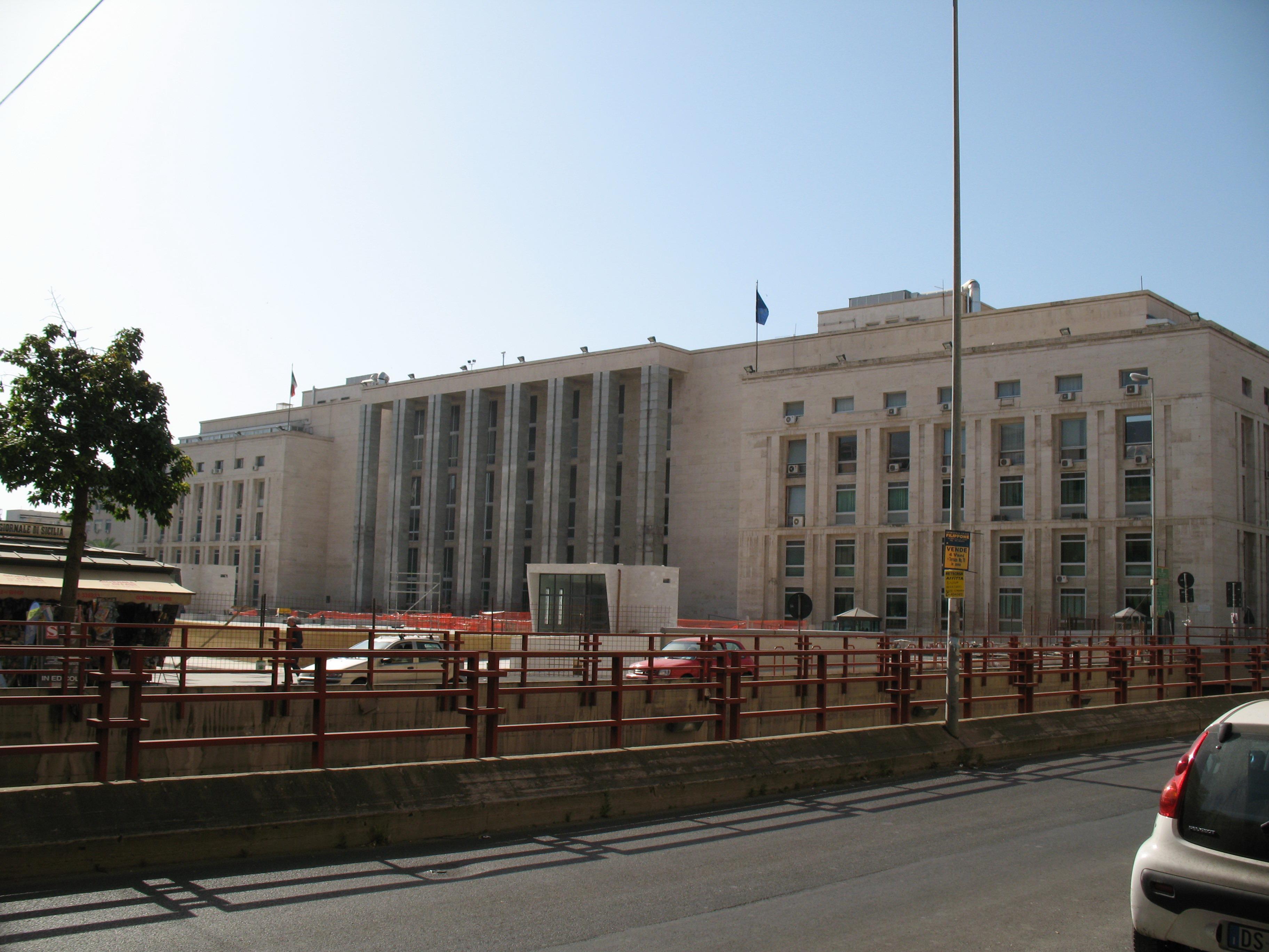 Il Palazzo di Giustizia di Palermo