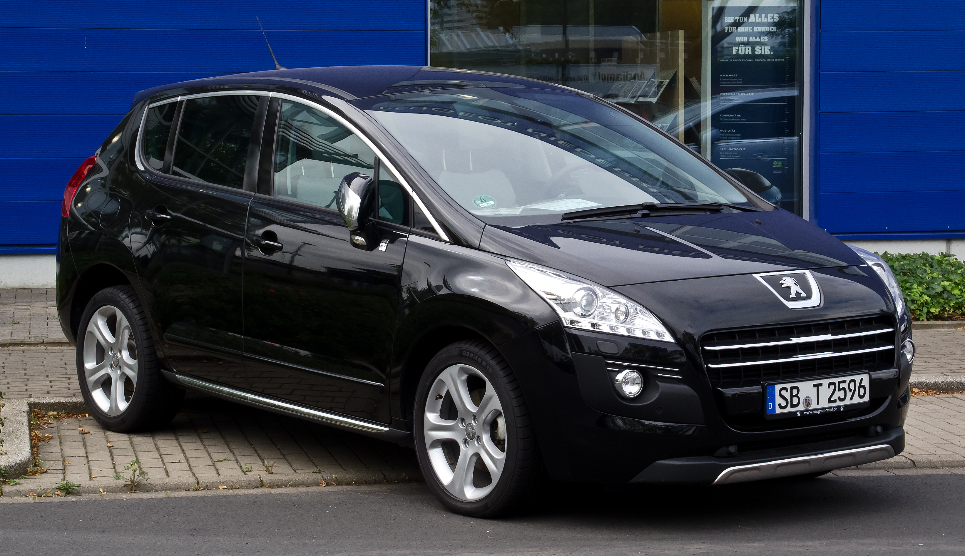 File peugeot 3008 hybrid4 frontansicht 30 august 2012 for Interieur 307 sw
