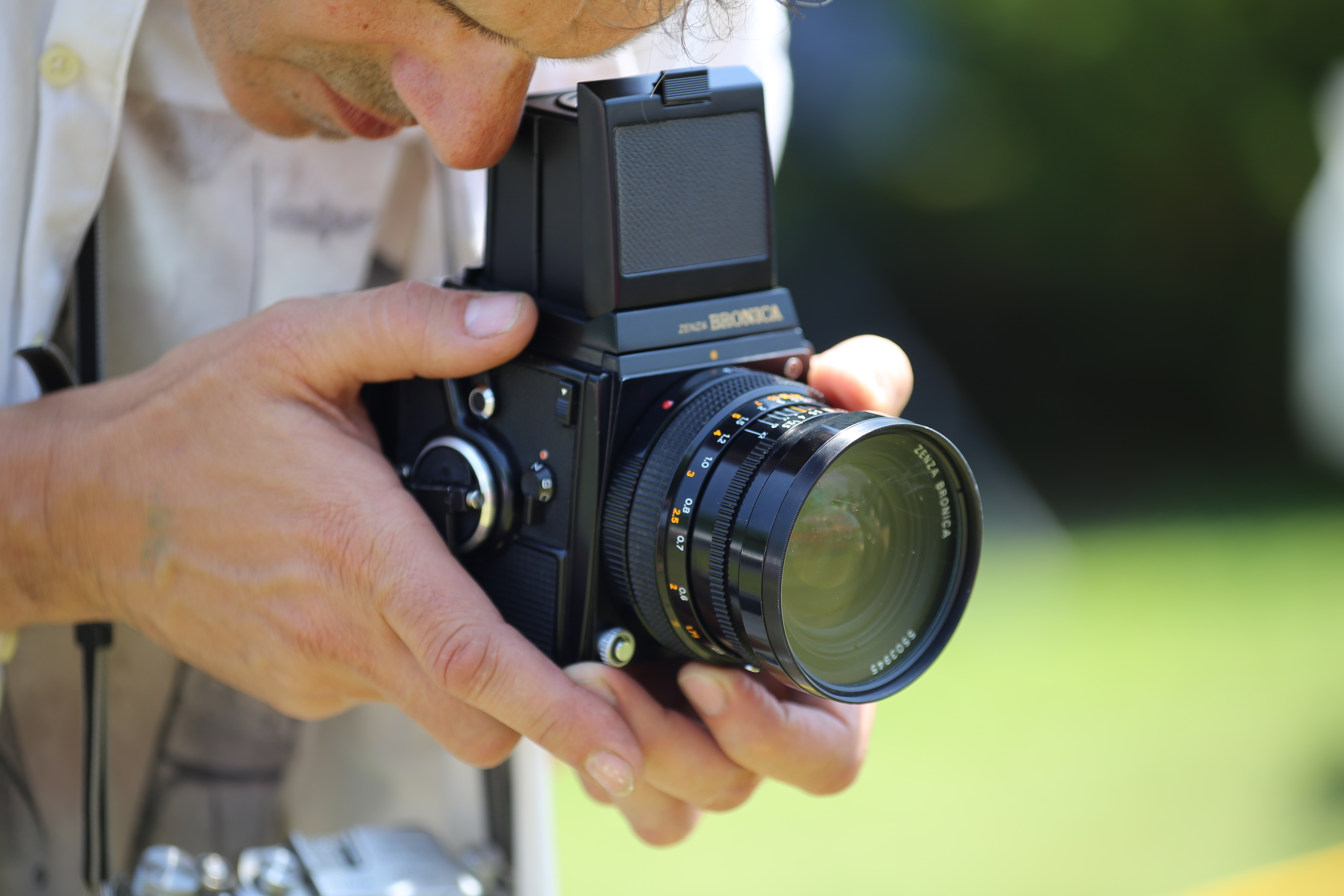 File:Photographing with Zenza Bronica SQ medium format SLR camera
