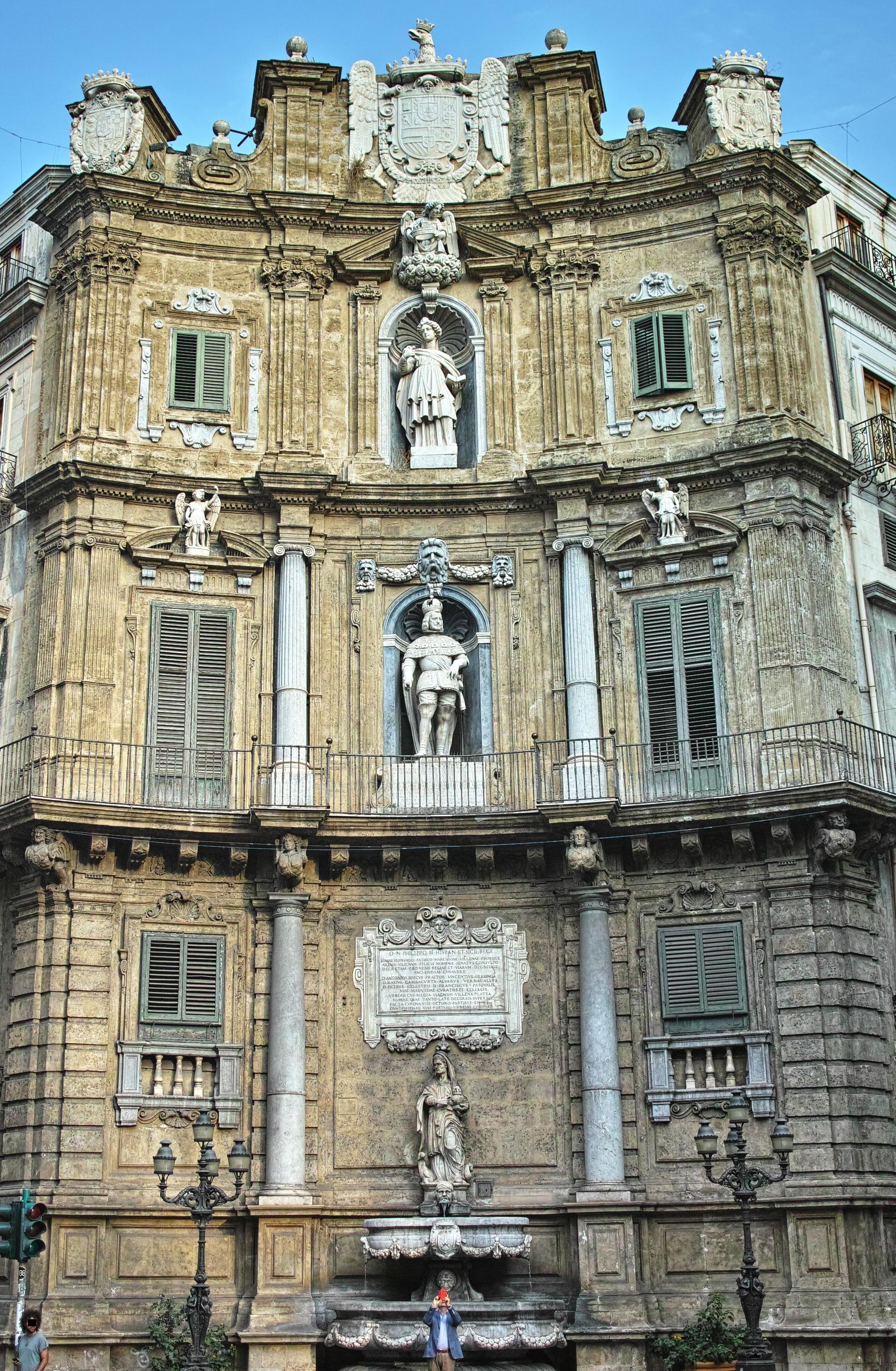 Quattro Canti Palermo Piazza Vigliena.jpg
