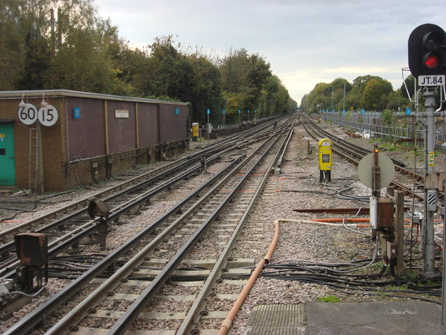 Railway tracks to the north of Chalfont and Latimer station - geograph.org.uk - 1013907