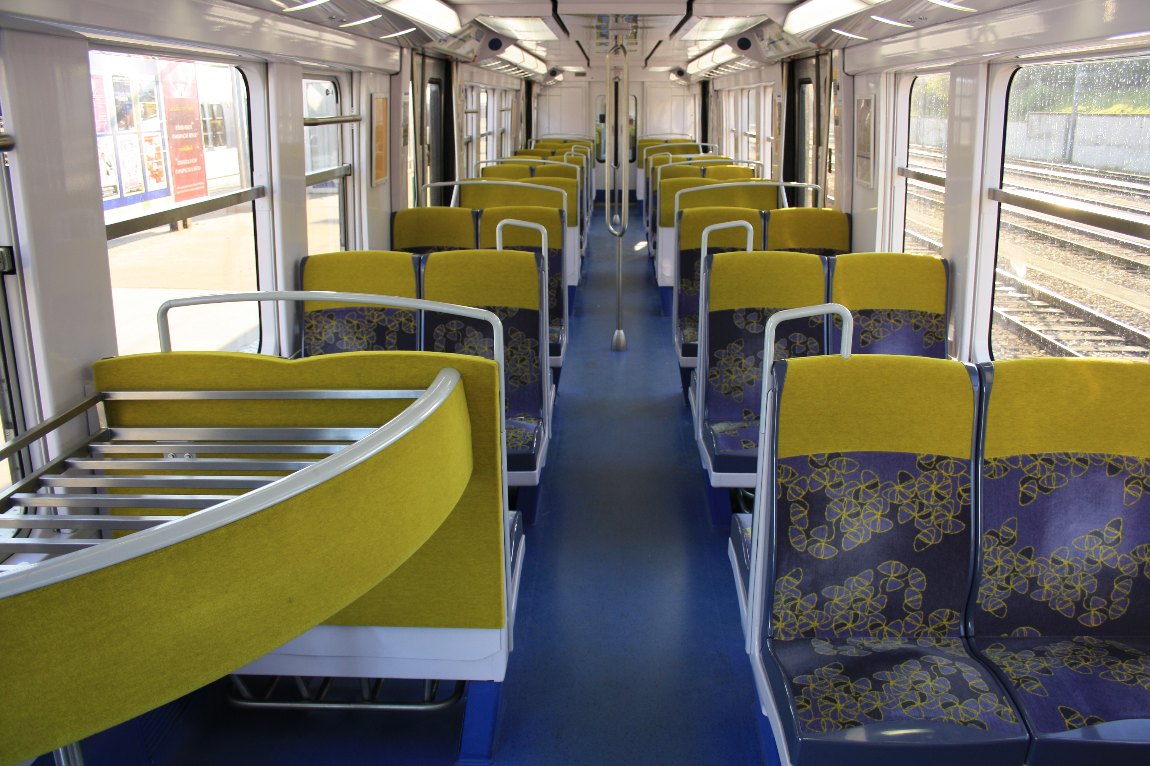 File renovated train interiors of mi 79 r for First class 8 interieur