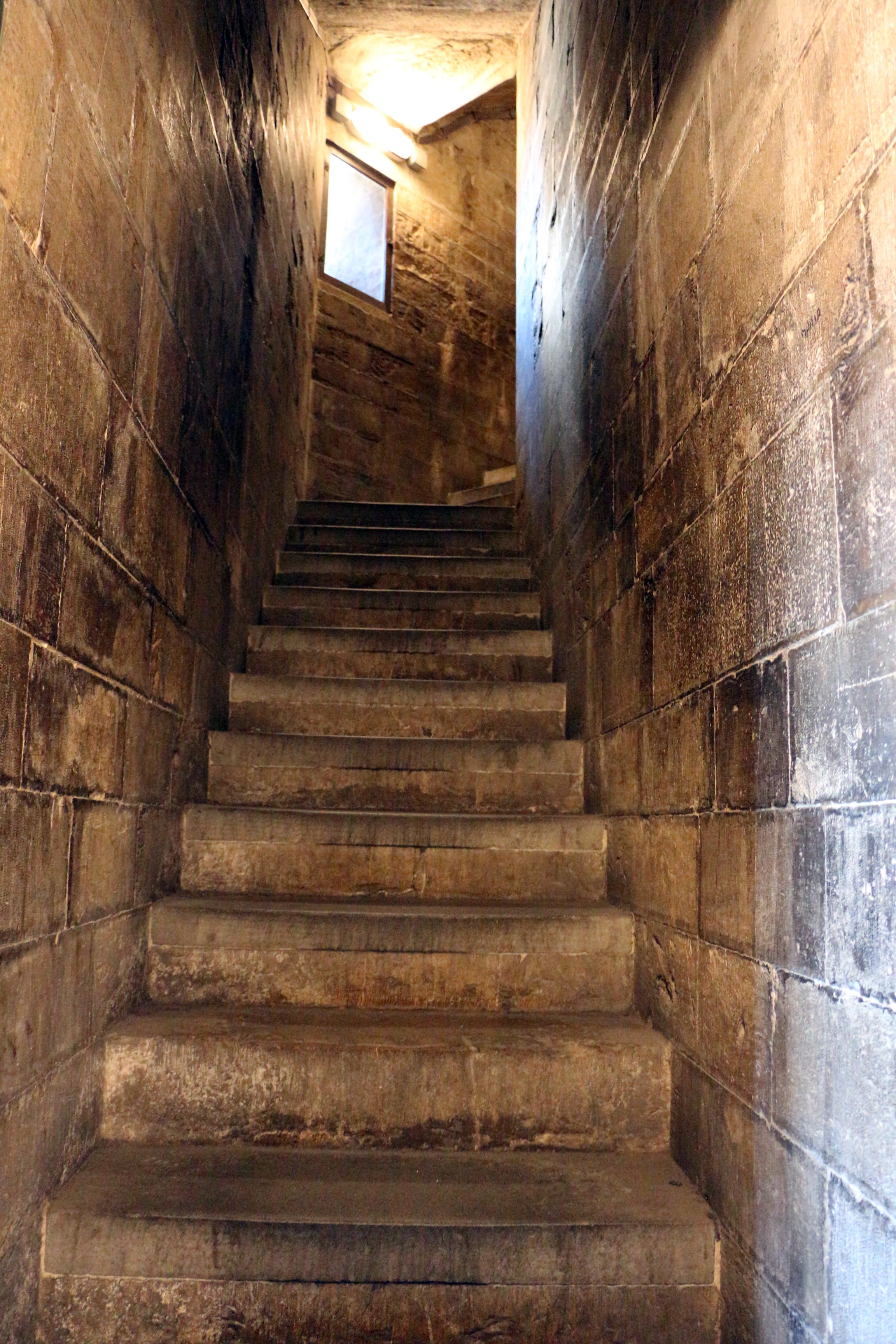 Filescale interne per lascesa alla cupola del duomo di firenze with foto di scale interne - Foto scale interne ...