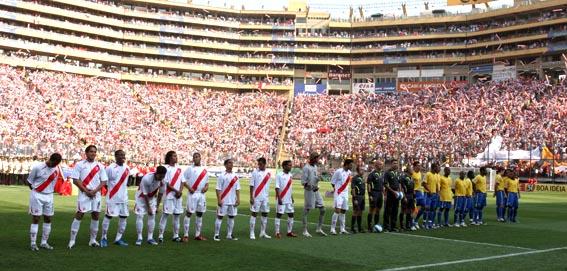 Vista panorámica del Estadio Monumental momentos antes de que las  selecciones del Perú y de Brasil disputen un encuentro por las  eliminatorias para ... 3233254ac87