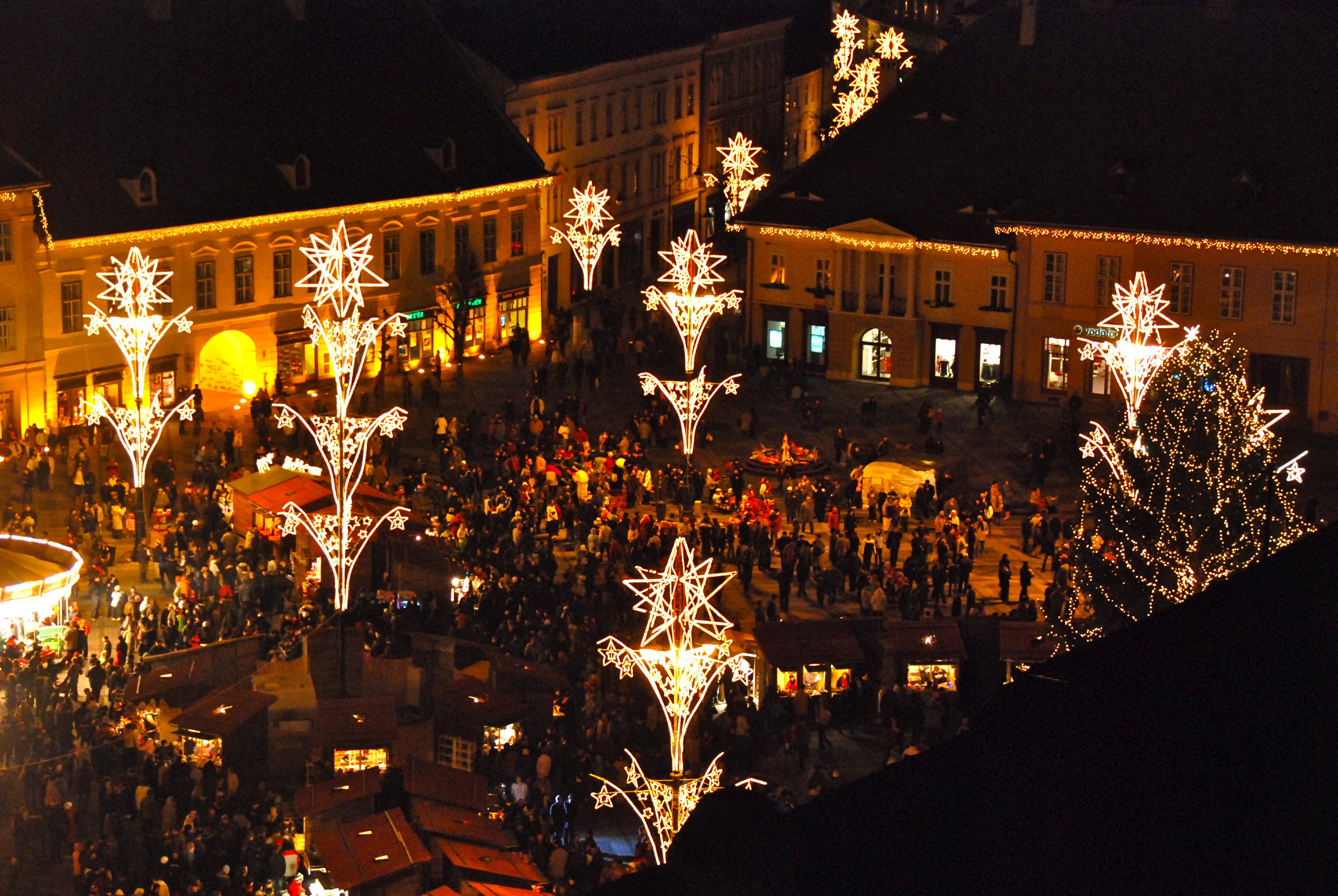 File:Sibiu Christmas Market opening 2008.JPG - Wikimedia Commons