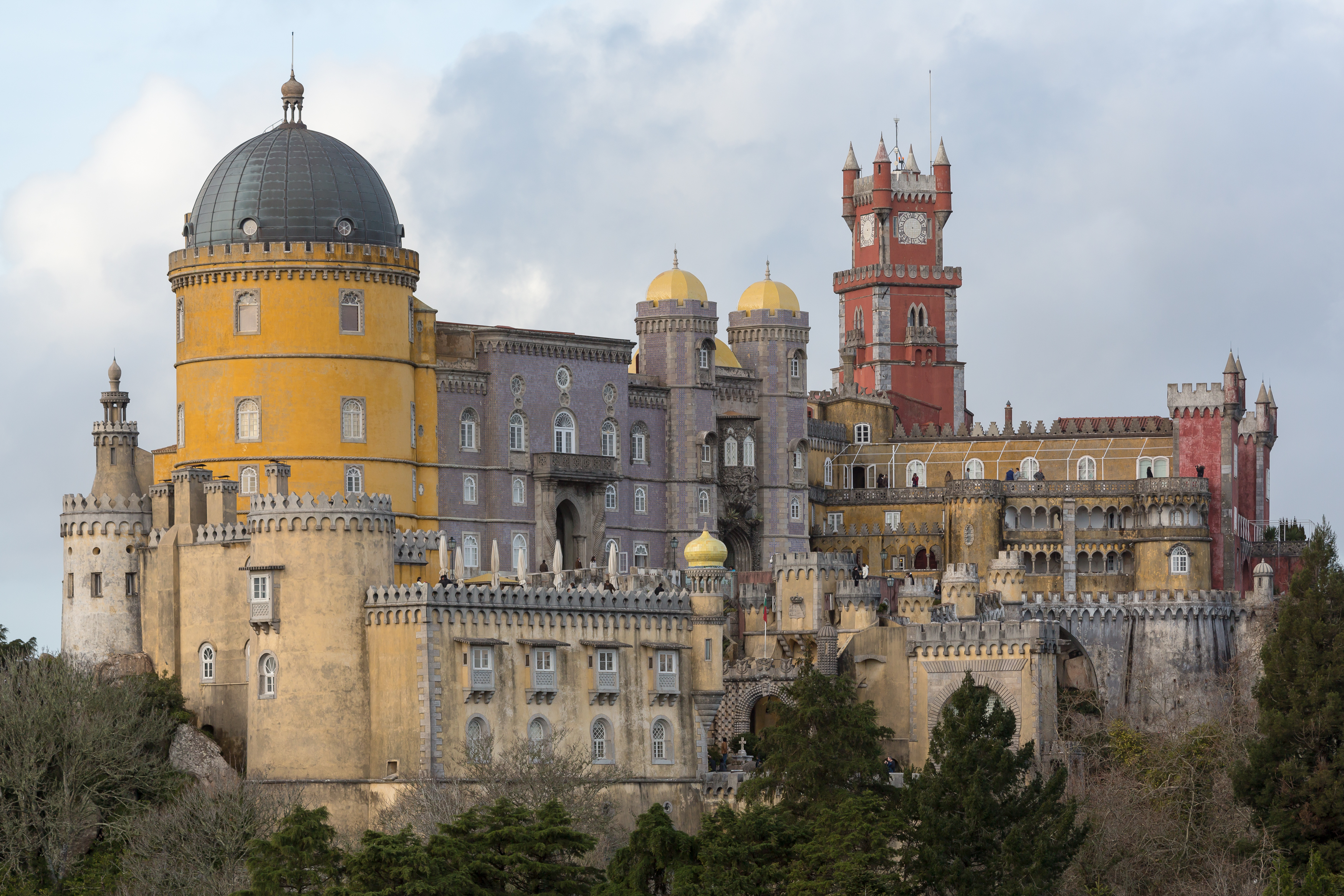 3 phenomenol photos of pena national palace portugal boomsbeat. Black Bedroom Furniture Sets. Home Design Ideas
