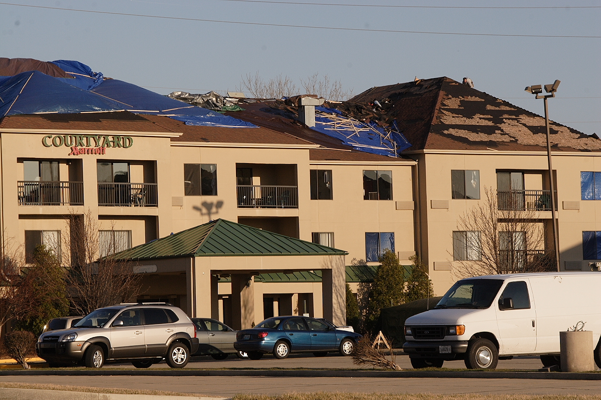 Car Dealerships Decatur Il >> File:Springfield tornado damage Marriott.JPG - Wikimedia Commons
