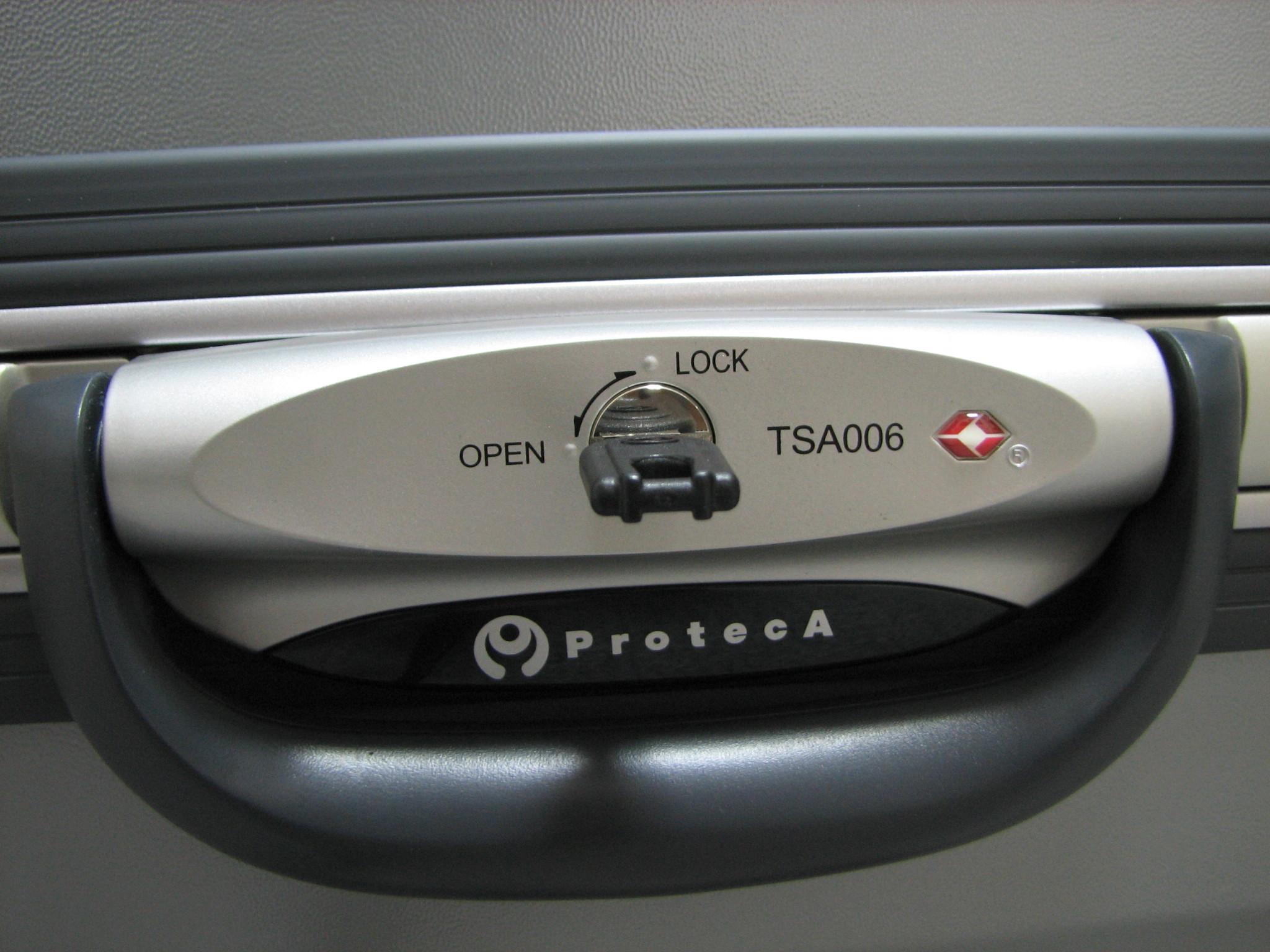 Luggage lock - Wikipedia
