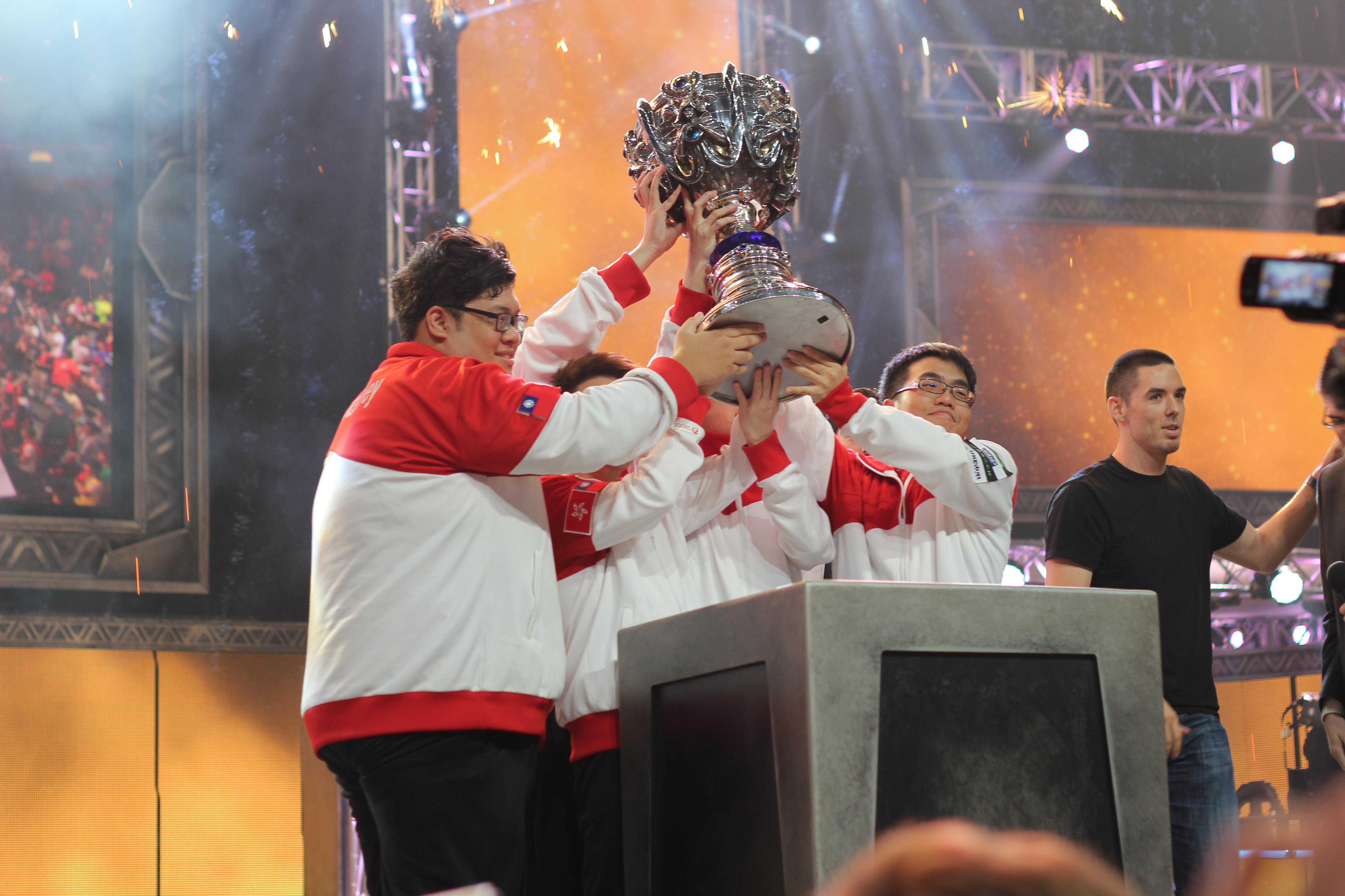 台北暗殺星在S2世界大賽獲得冠軍