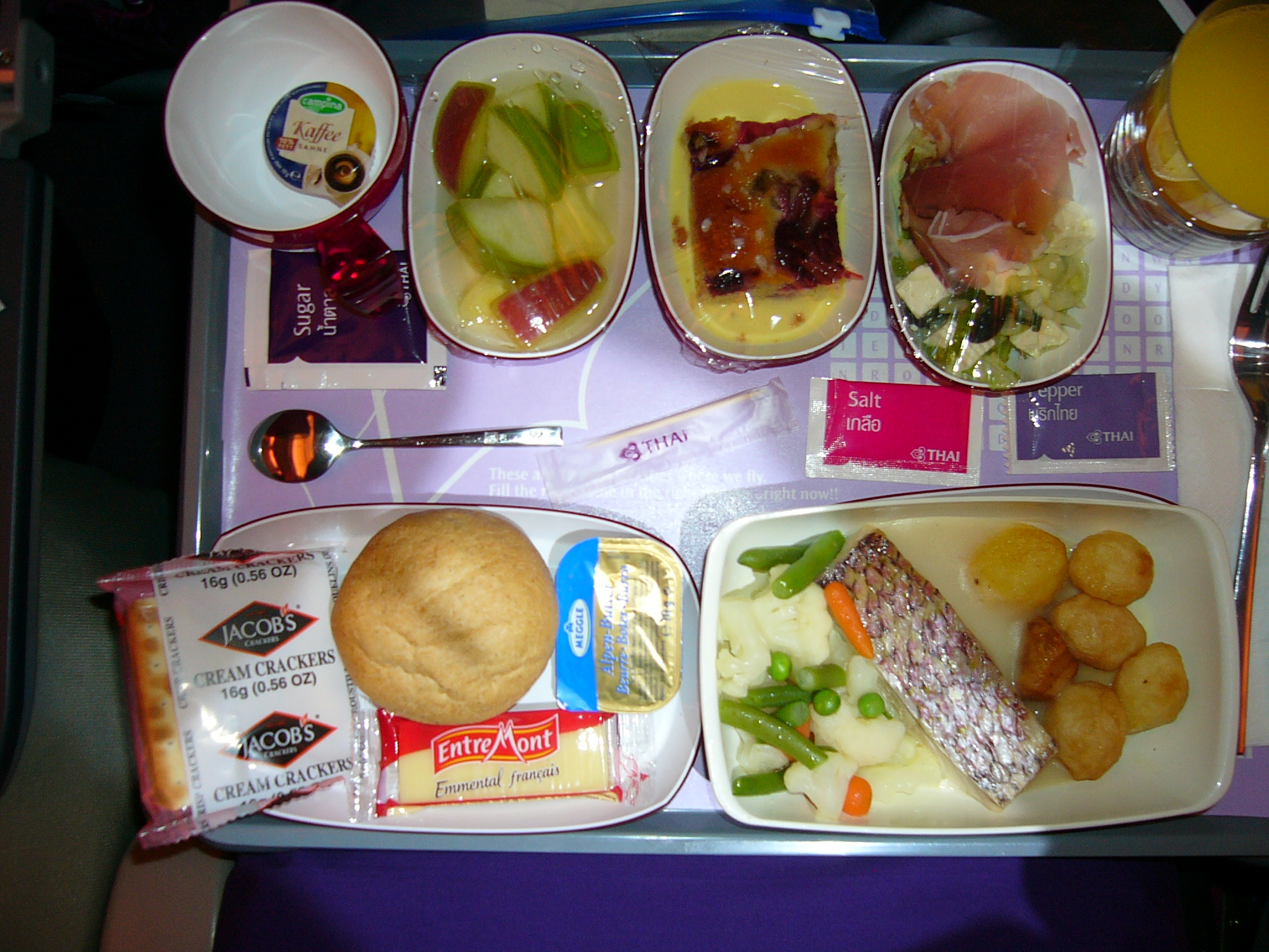 Description Thai Airways airline mealdinner.JPG