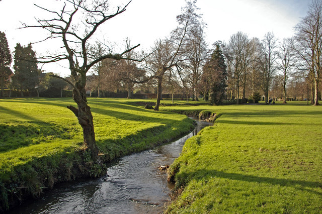 The Bourn flowing through Bournville Park - geograph.org.uk - 315165