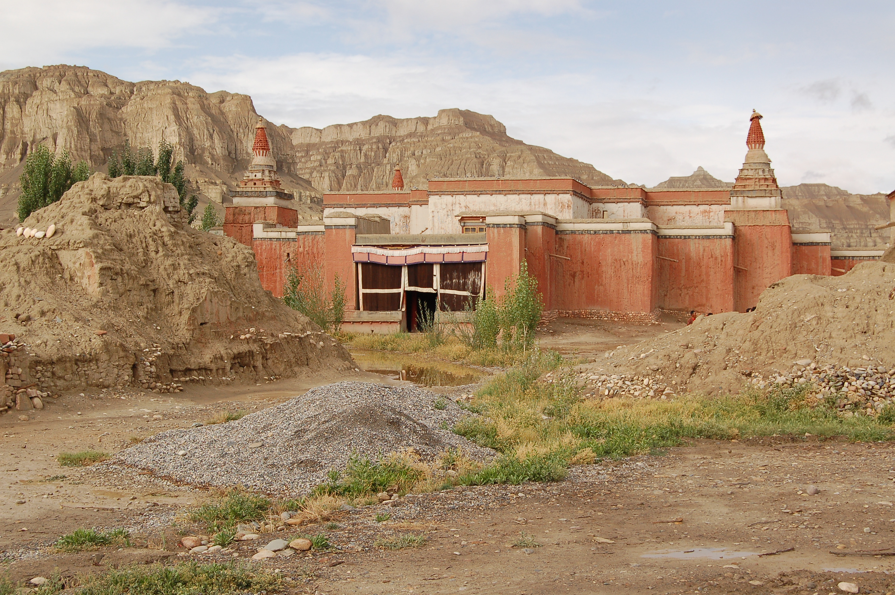 san francisco 37a0d 50553 File:Tholing-Kloster (Tibet) Roter Tempel Dieter Schuh.JPG ...