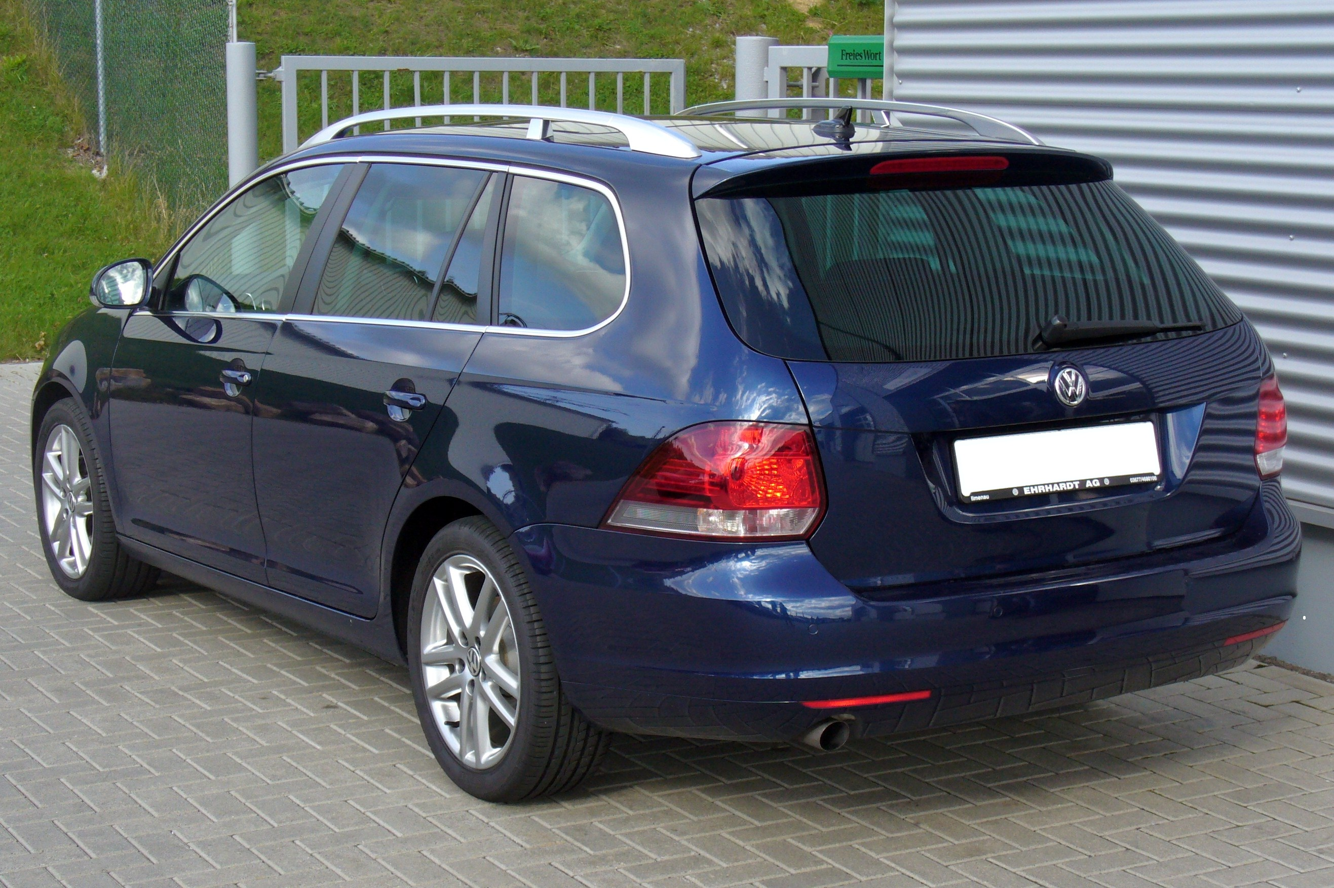 Golf Gti Wiki >> File:VW Golf Variant VI 1.6 TDI Highline Shadow Blue Heck.JPG - Wikimedia Commons