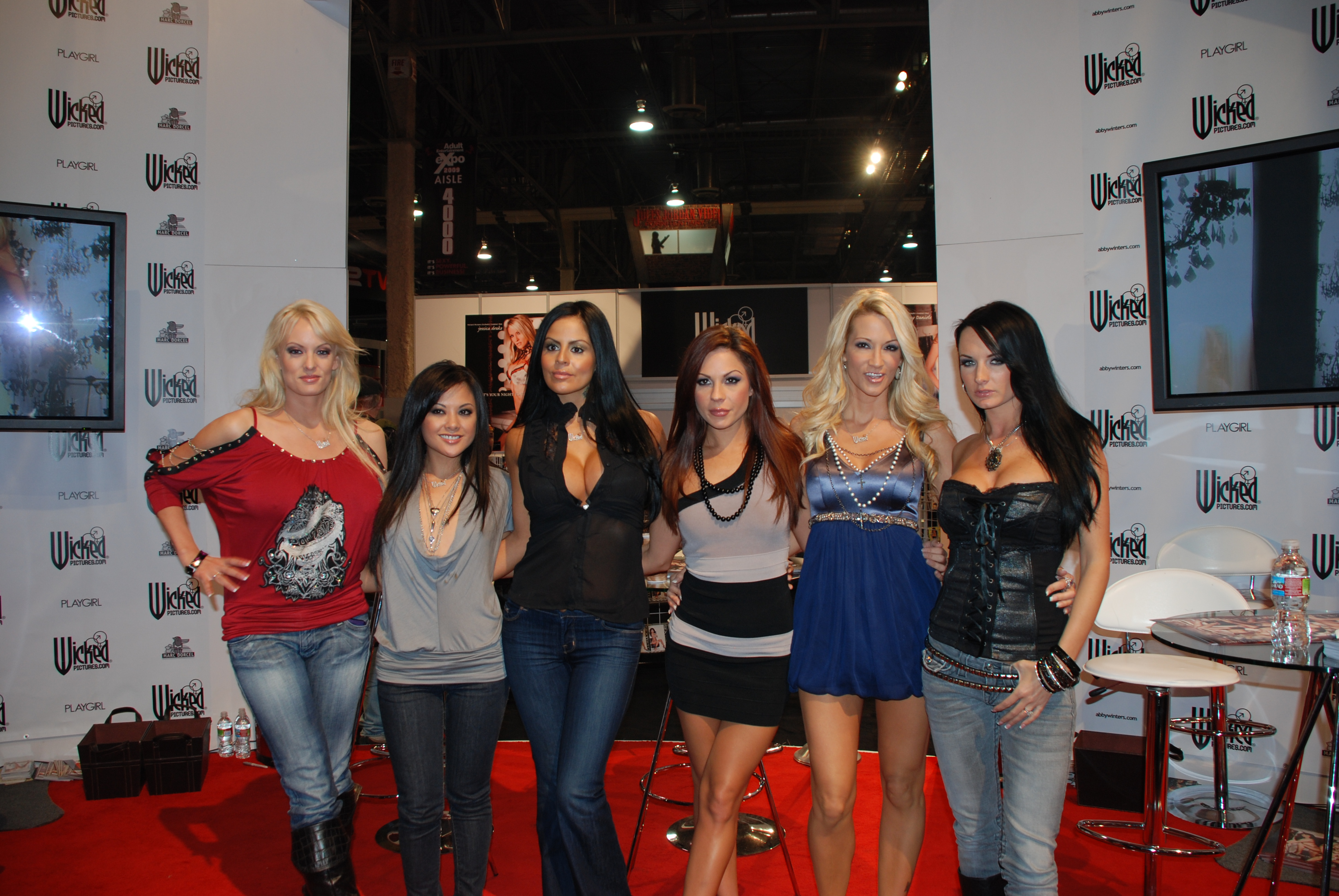 Filewicked Girls At Avn Adult Entertainment Expo 2009 Jpg