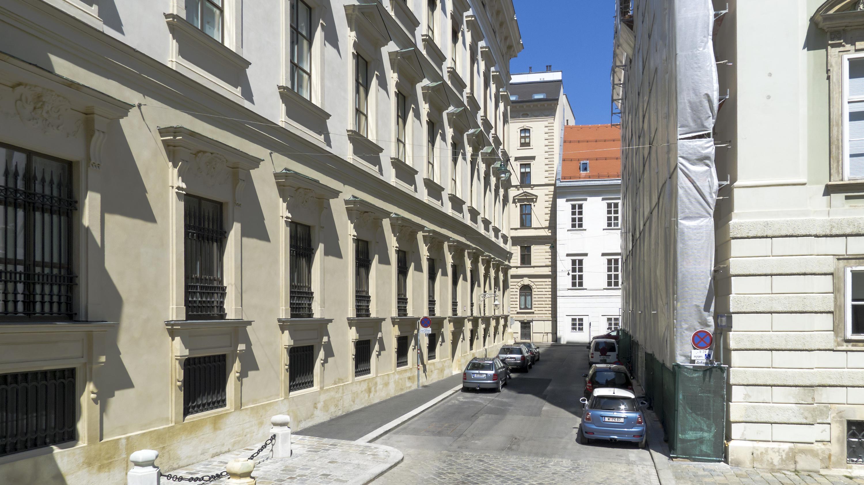 Wien 01 Abraham-a-Sancta-Clara-Gasse b.jpg