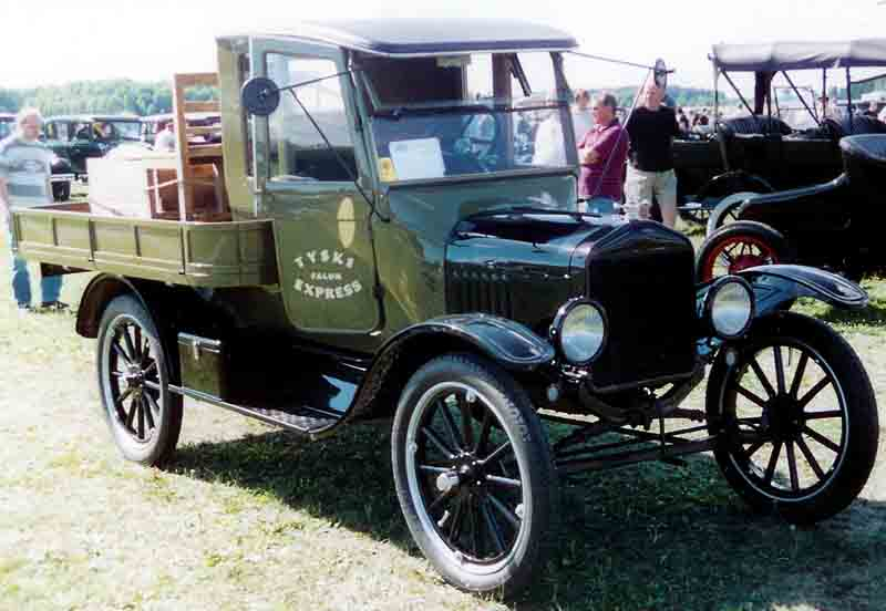 Model T Ford Toy Car With Radio