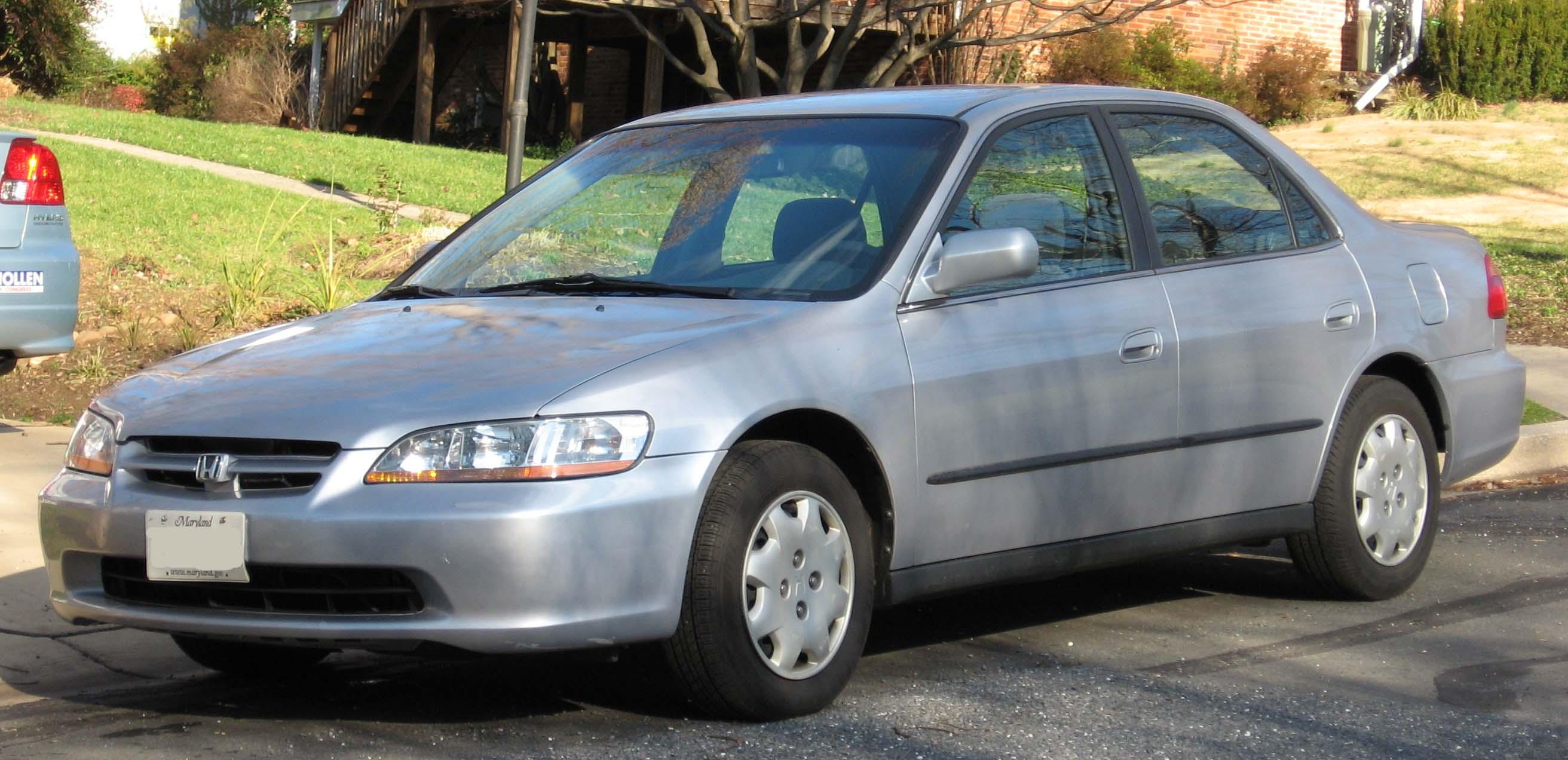 File:98-00 Honda Accord 2.jpg - Wikimedia Commons