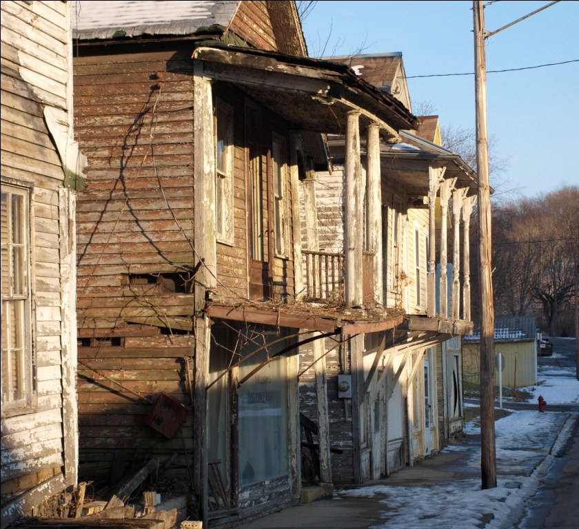 File:Abandoned Balcony Buildings On Main St.