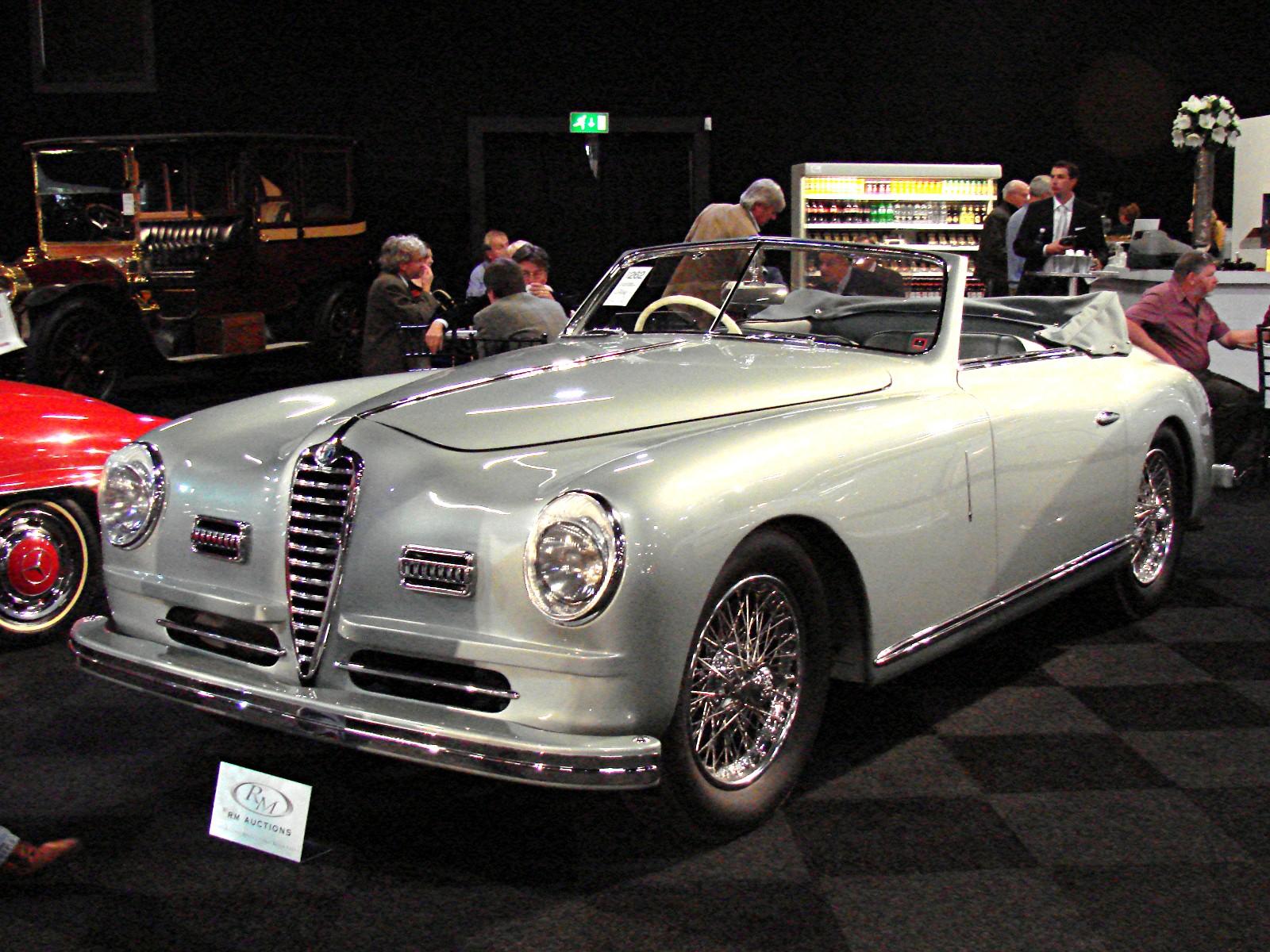 File:Alfa Romeo 6C 2500 SS Pinin Farina Cabriolet.jpg - Wikimedia Commons