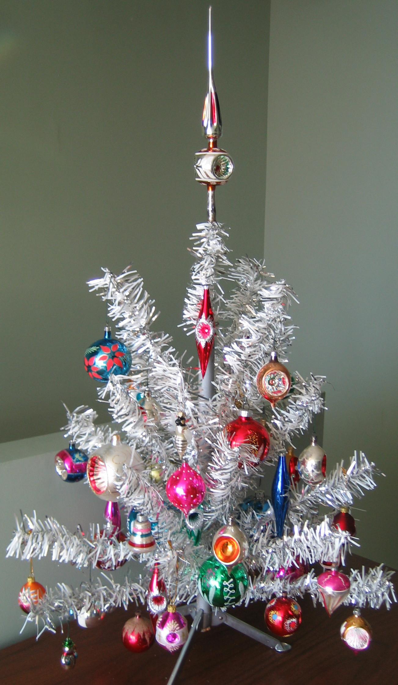 a vintage aluminum christmas tree - Christmas Tree Decorated With Vintage Ornaments