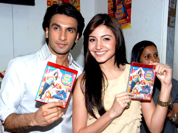 Anushka Sharma %26 Ranveer Singh at the DVD launch of %27Band Baaja Baaraat%27 Ranveer Singh Biography