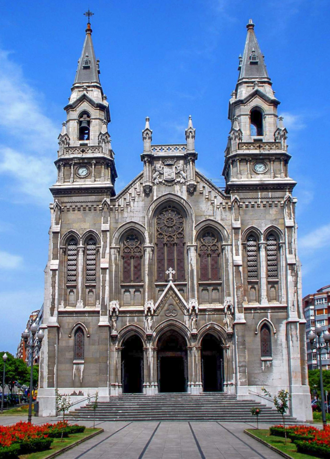 File:Aviles - Iglesia de Santo Tomas de Canterbury (iglesia nueva de ...