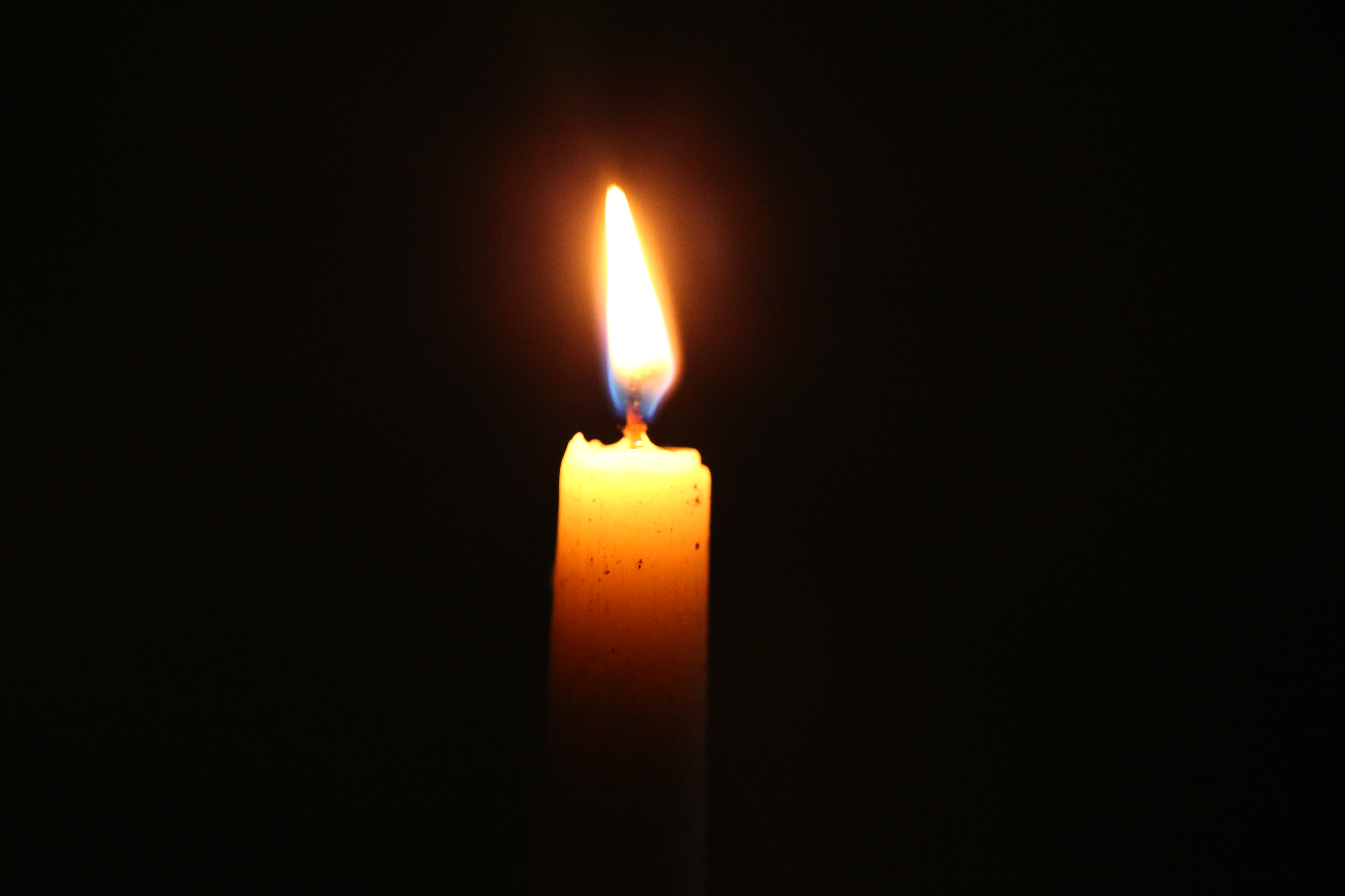 candle wallpaper iphone