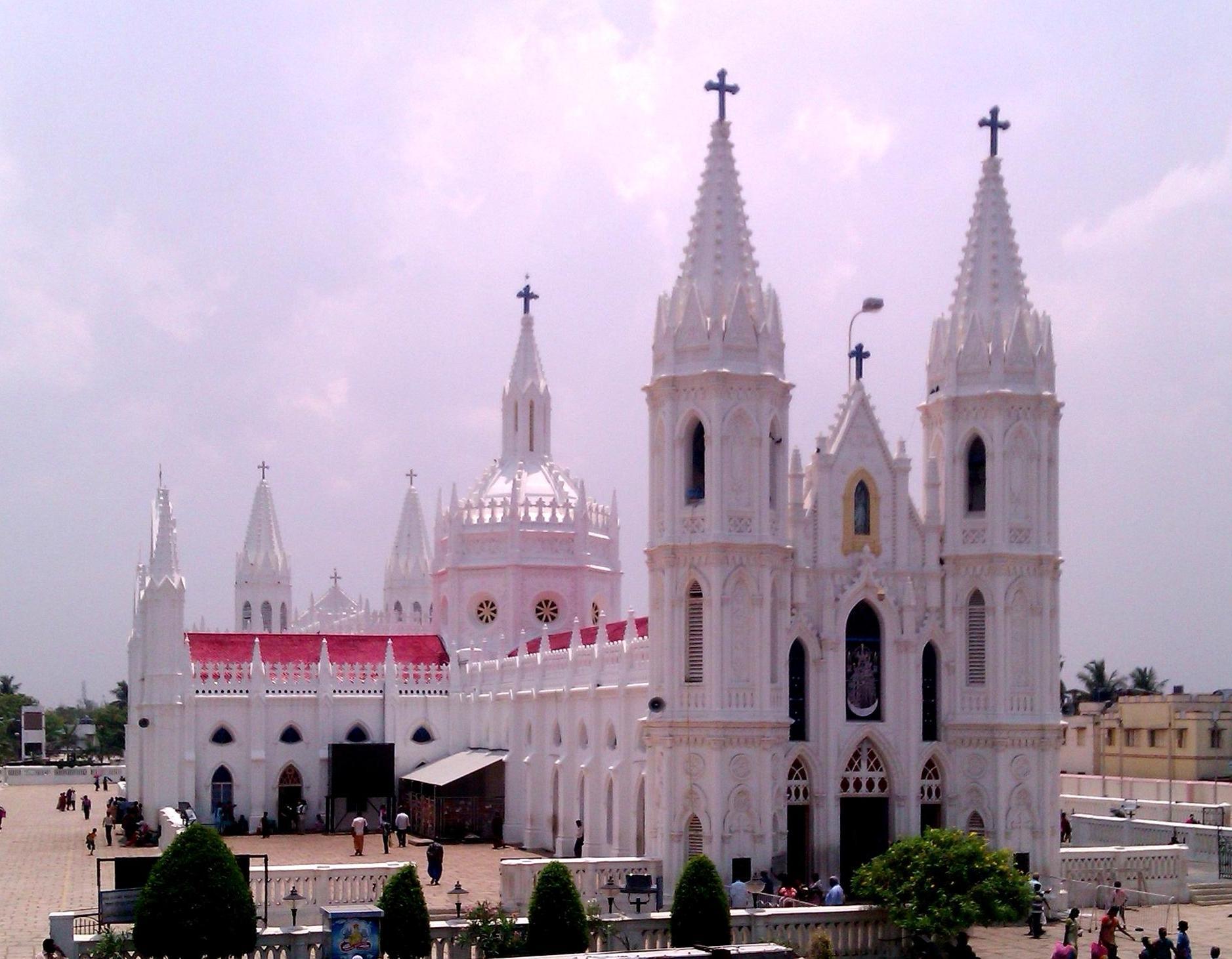 File Basilica Of Velankanni Jpg Wikimedia Commons