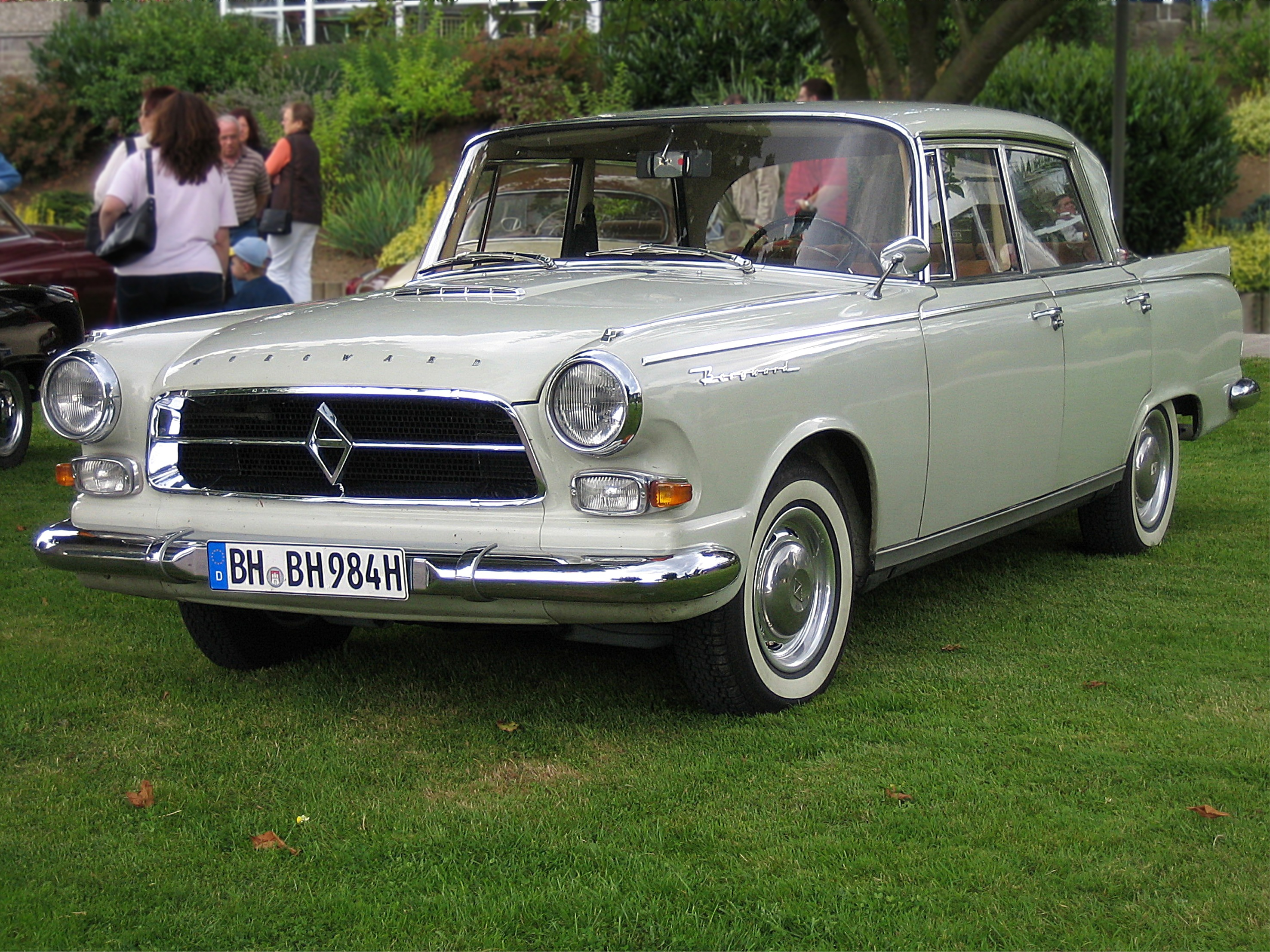 File:Borgward P100.jpg...