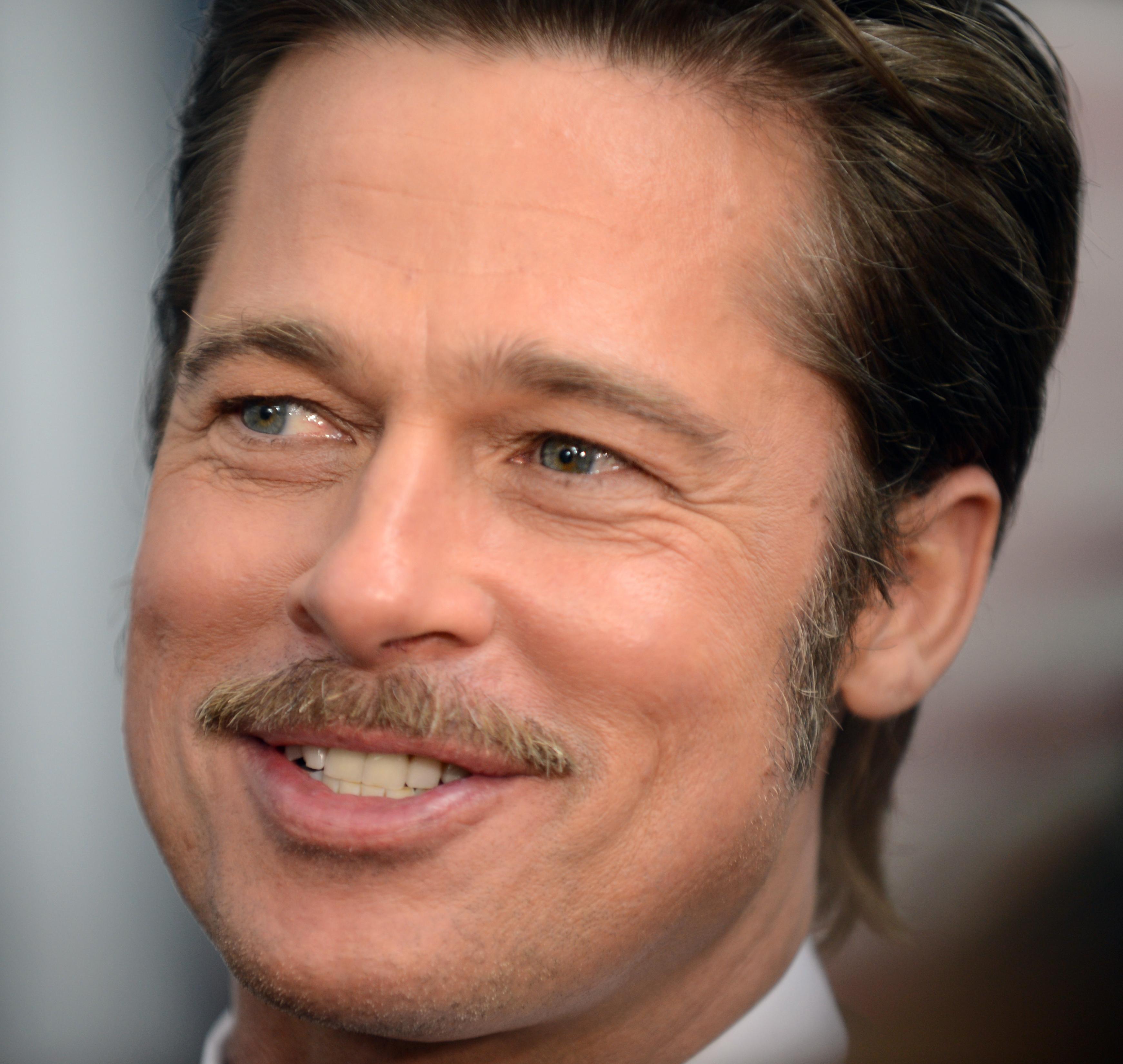 Description Brad Pitt October 2014.jpg