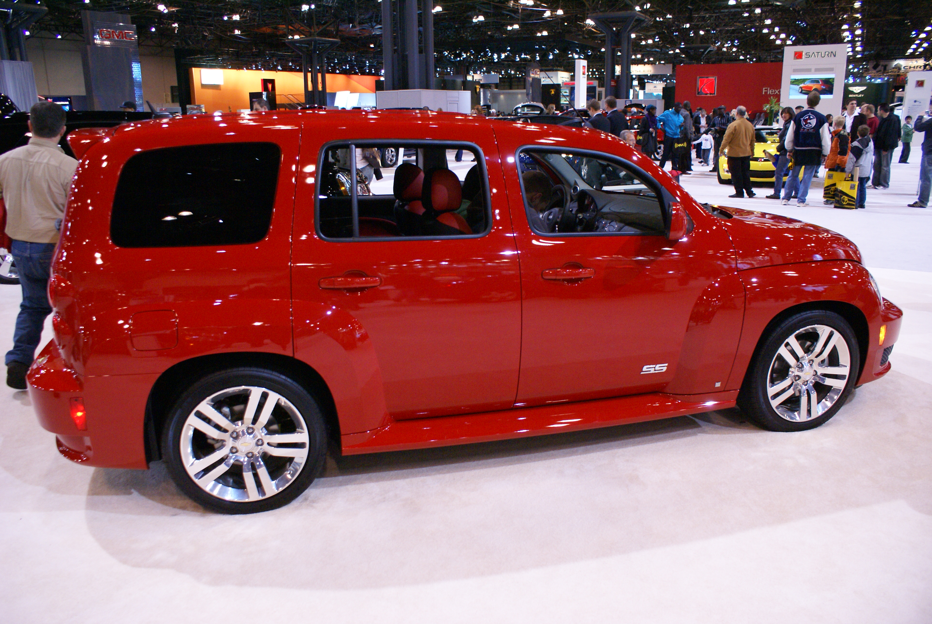 file bright red car on display at new york international auto wikipedia. Black Bedroom Furniture Sets. Home Design Ideas