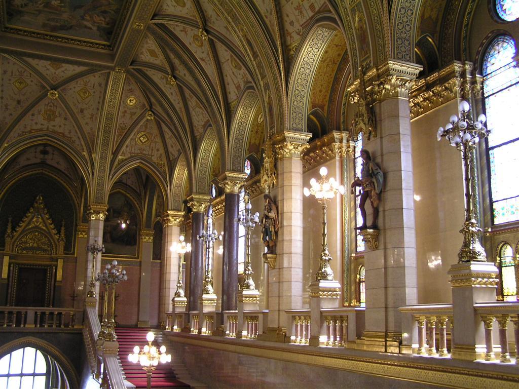 Budapest Parliament interior2 BÅn.JPG