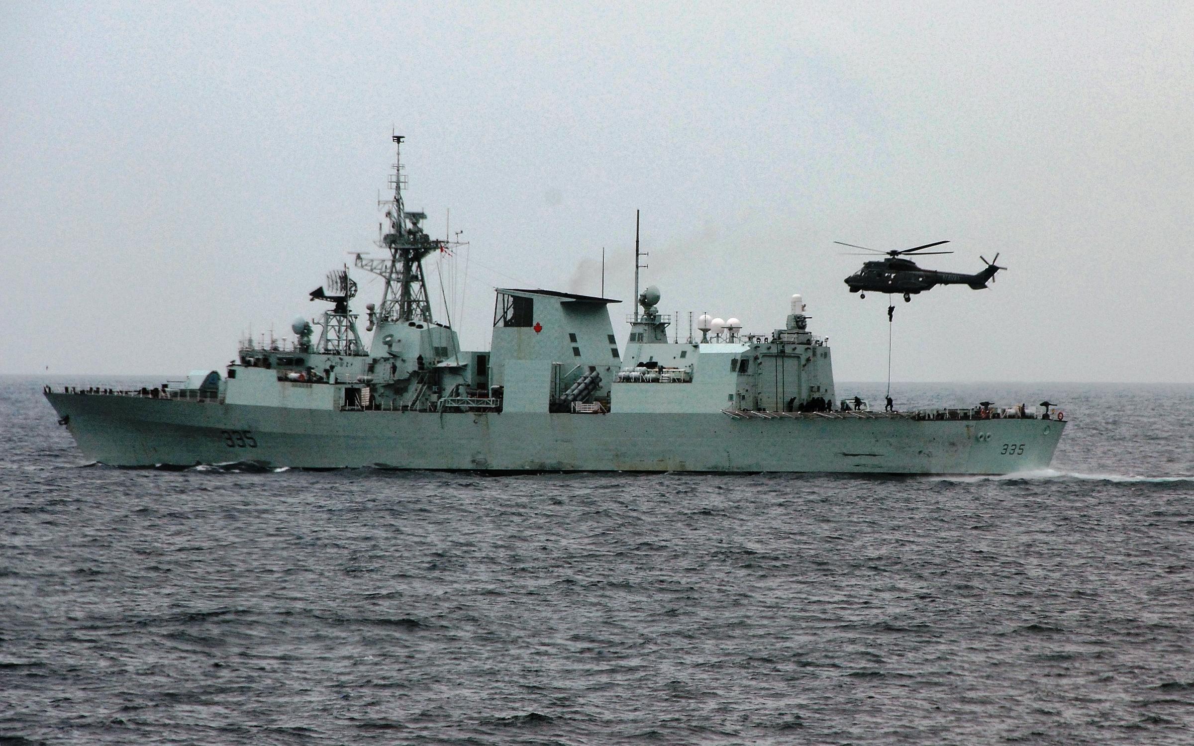 Descrizione canadian navy frigate hmcs calgary (ffh 335)