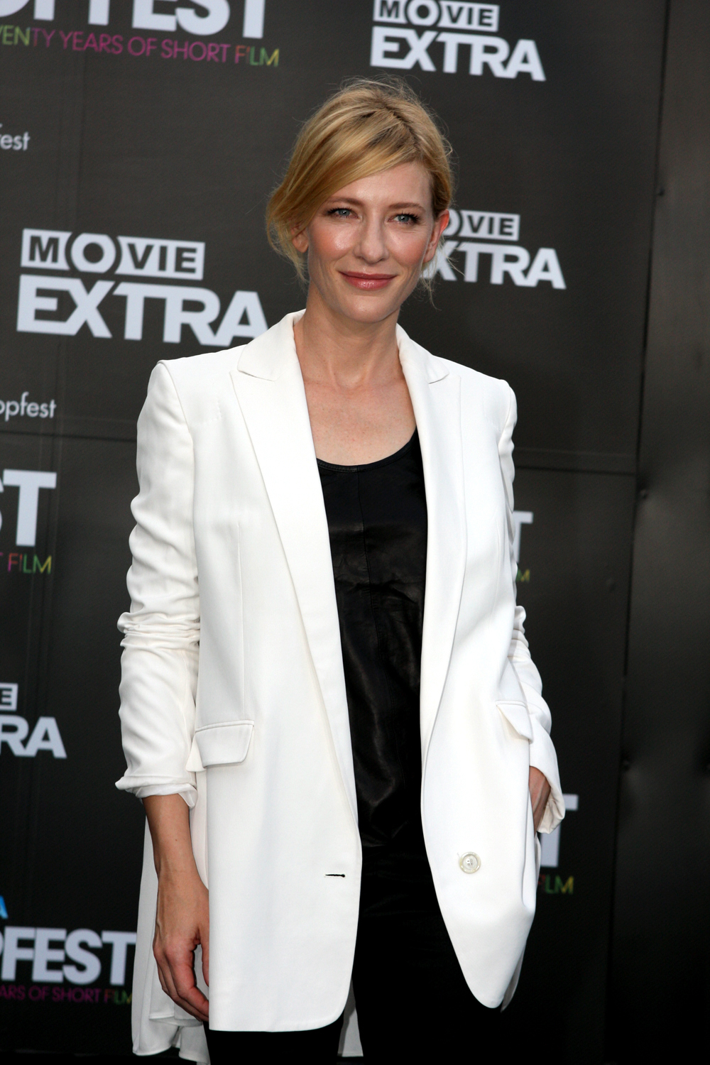 File:Cate Blanchett at the Tropfest Opens (2012) 5.jpg ... Cate Blanchett Wikipedia