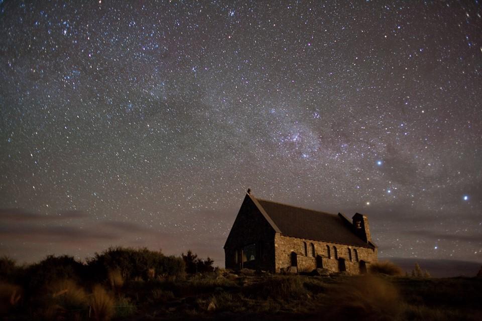 File:Church of the Good Shepherd (Lake Tekapo).jpg - Wikimedia Commons
