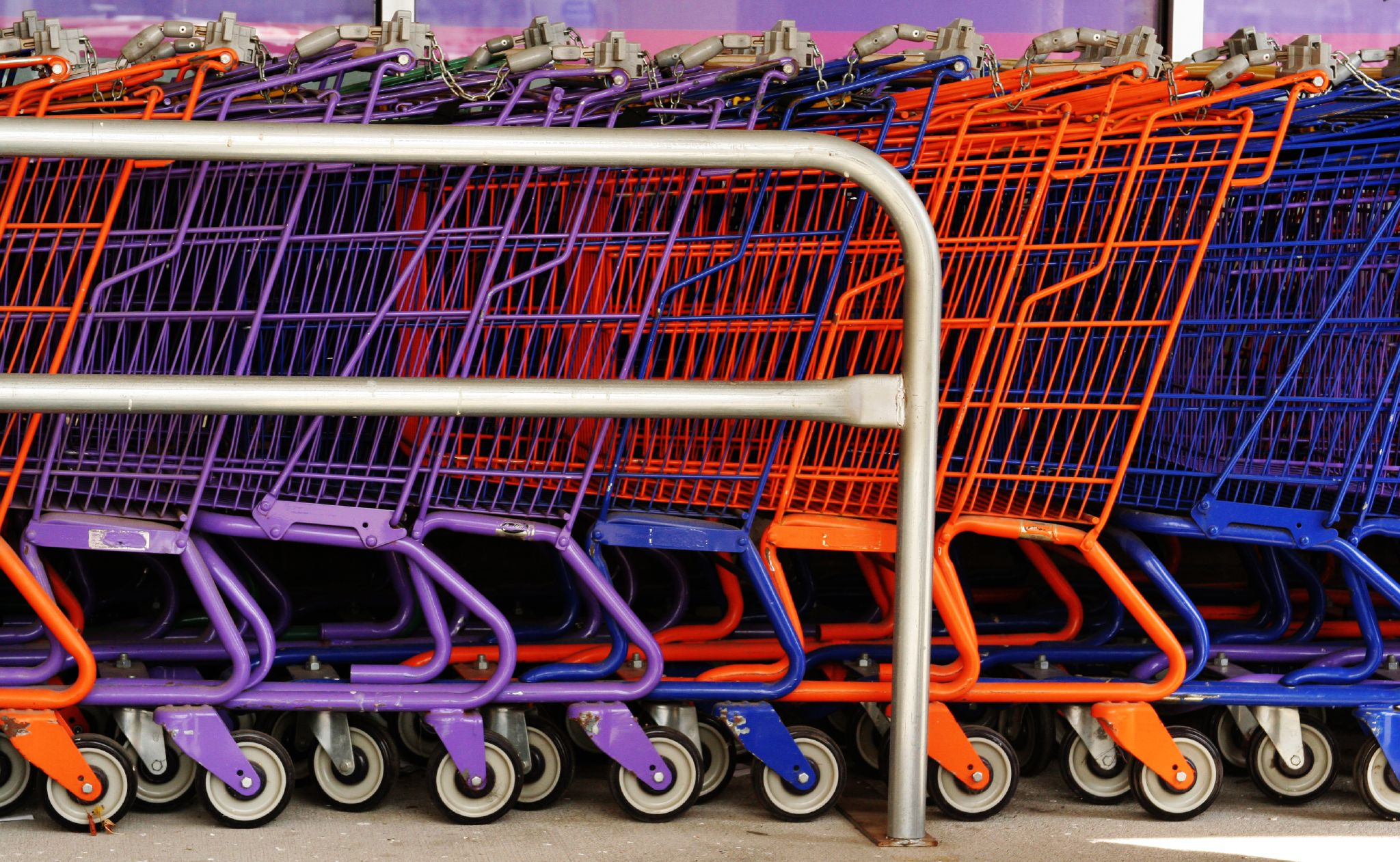 http://upload.wikimedia.org/wikipedia/commons/7/75/Colourful_shopping_carts.jpg