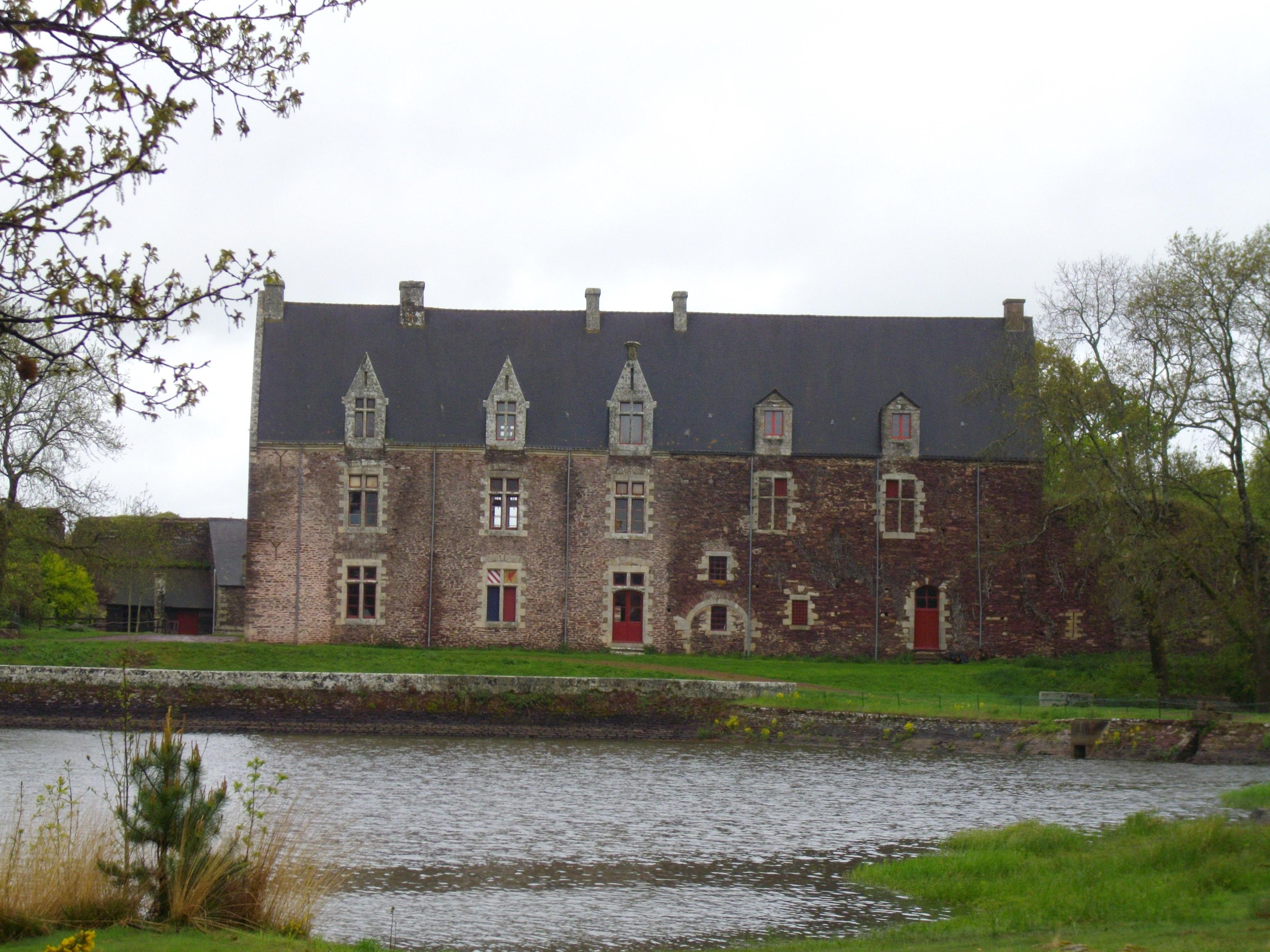 Châteaux de cristal datant Cour