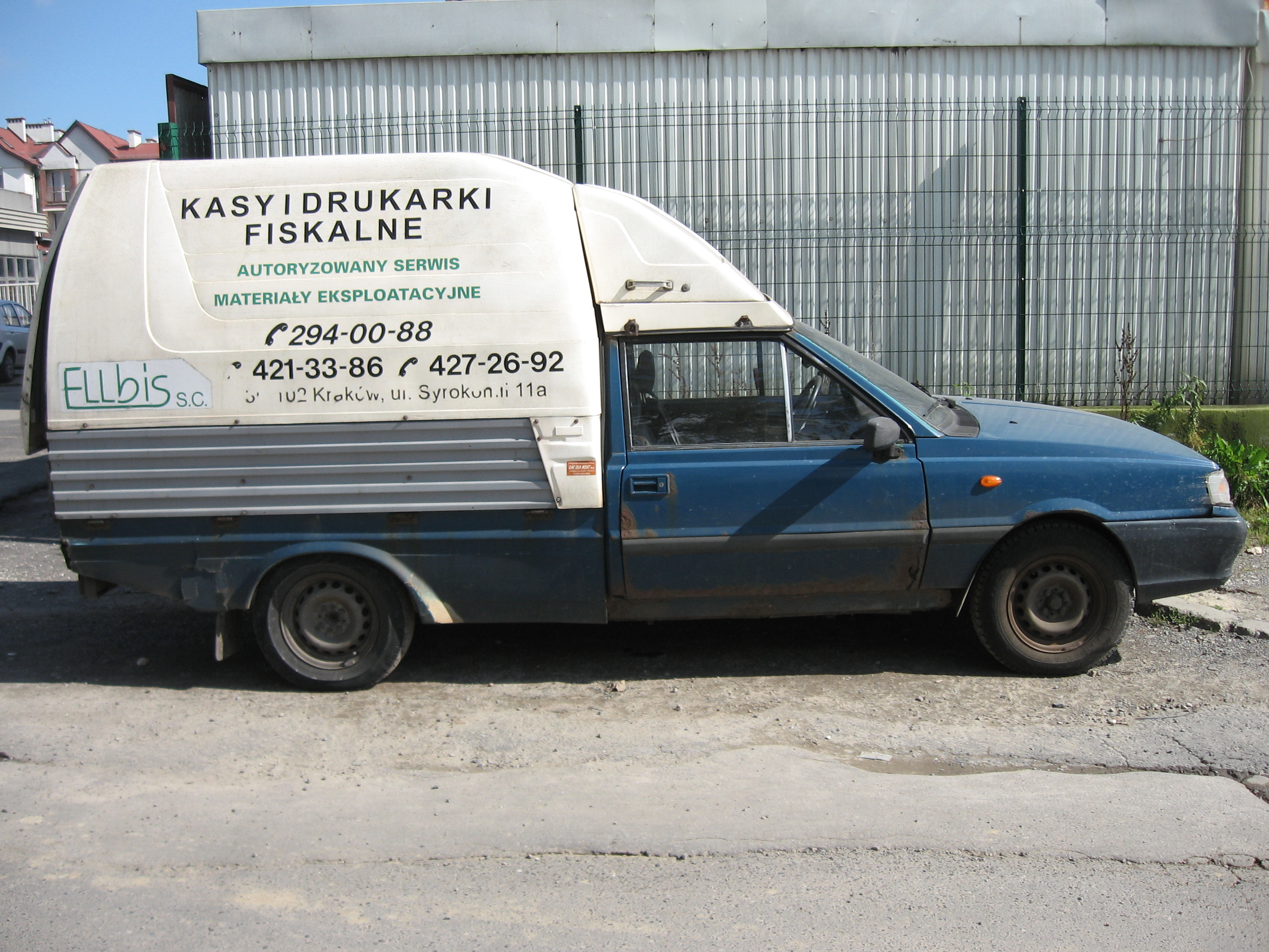 File:Daewoo-FSO Polonez Truck Plus ST in Kraków (3).jpg - Wikimedia