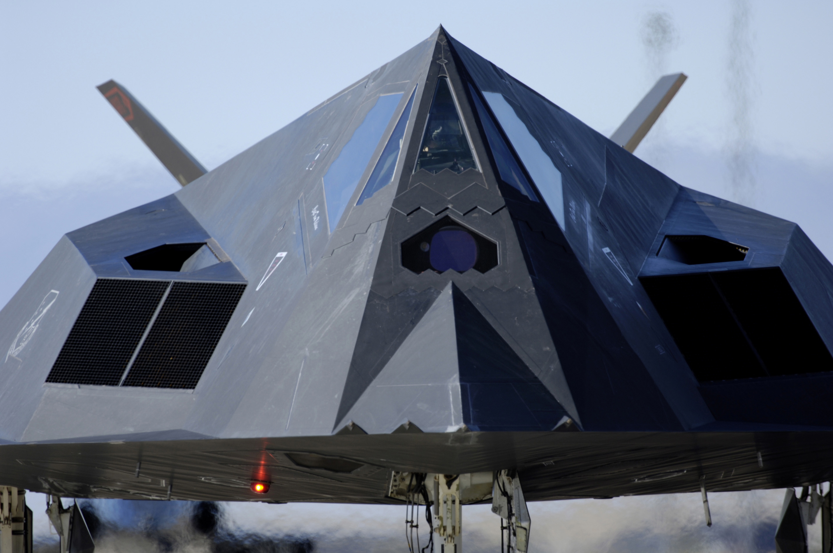File:F-117 Front View.jpg - Wikipedia
