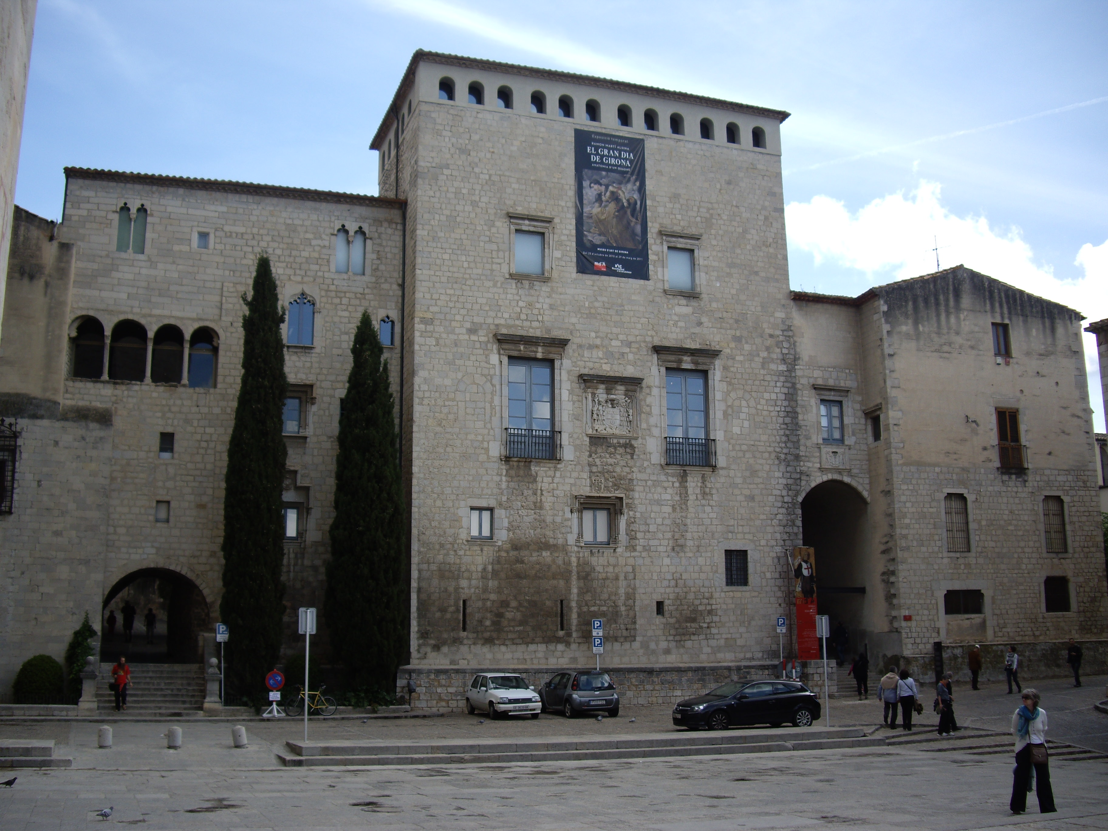 Fitxer:Façana Palau Episcopal. Museu dArt.JPG - Viquipèdia, lencicl...