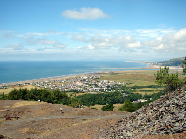 Fairbourne Village.jpg