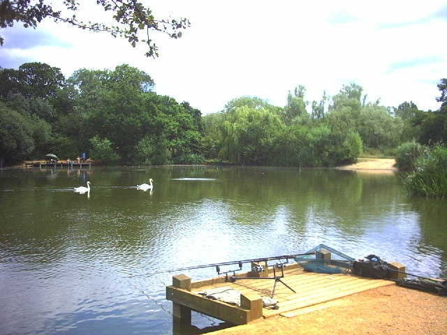 Fishing lake, Tooting Bec Common - geograph.org.uk - 26182