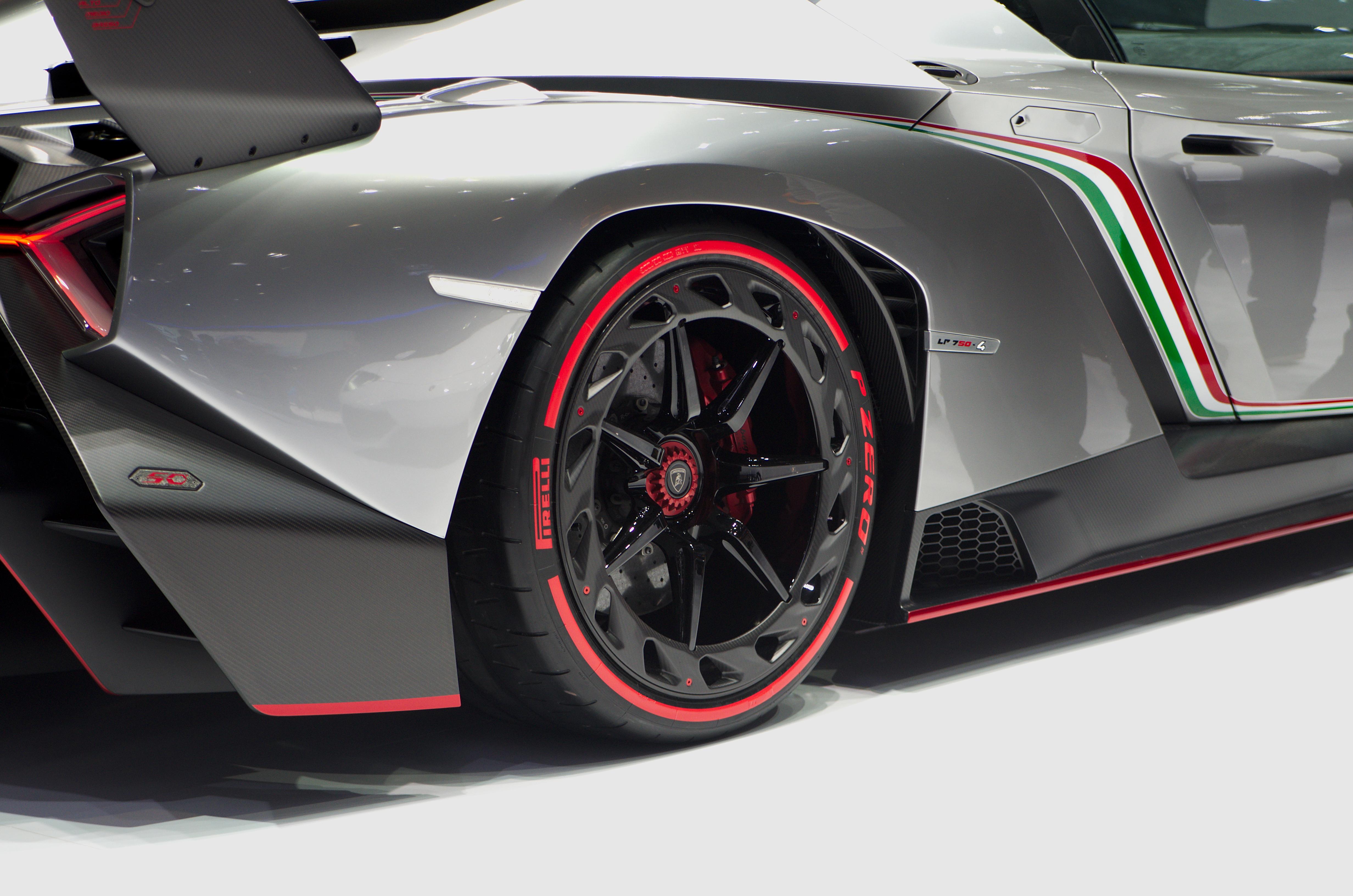 Lamborghini Veneno Wiki >> File:Geneva MotorShow 2013 - Lamborghini Veneno rear wheel.jpg